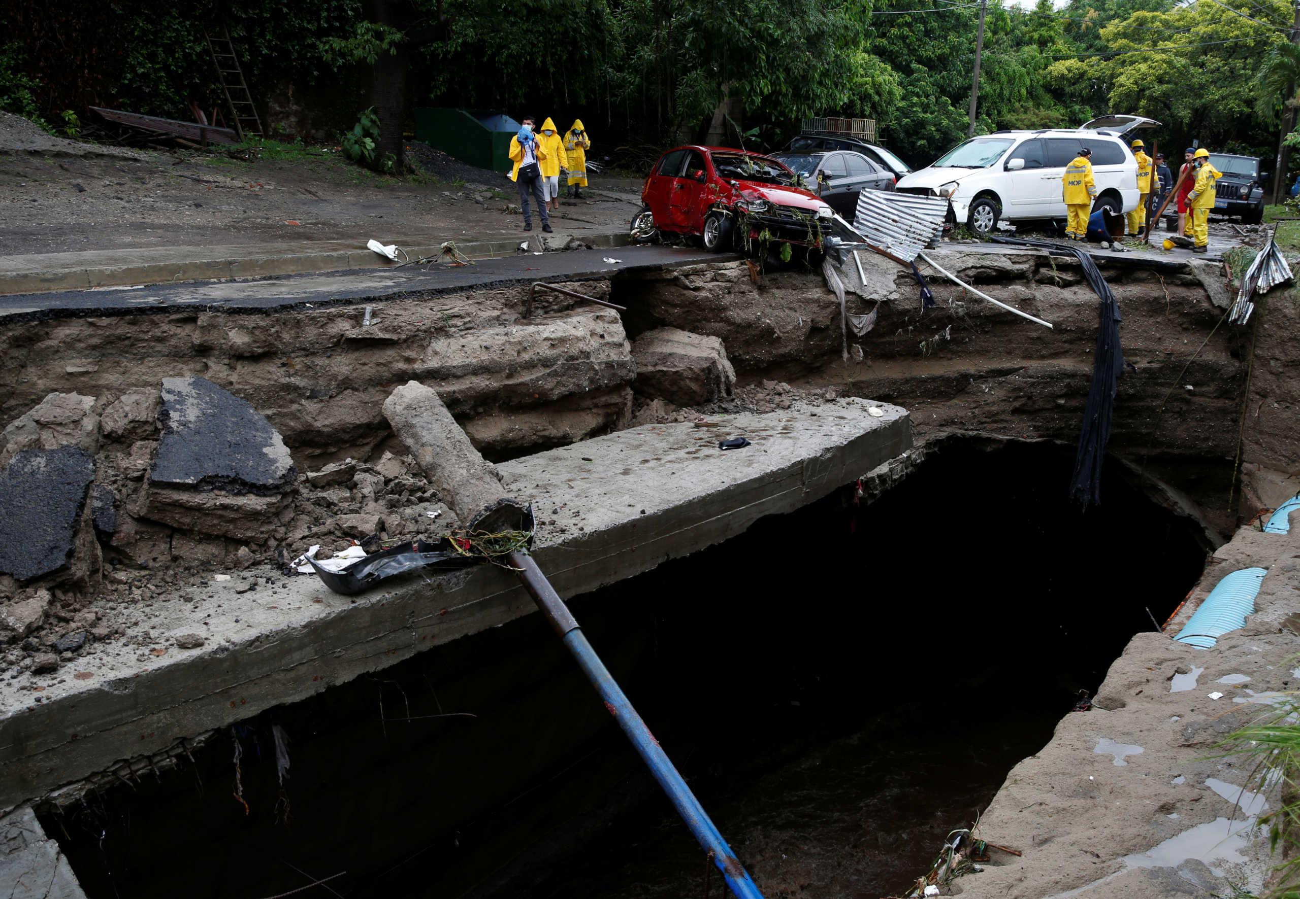 Έχουν τον κορονοϊό, έχουν και… την Αμάντα! 10 νεκροί στο Ελ Σαλβαδόρ από την τροπική καταιγίδα (pics)