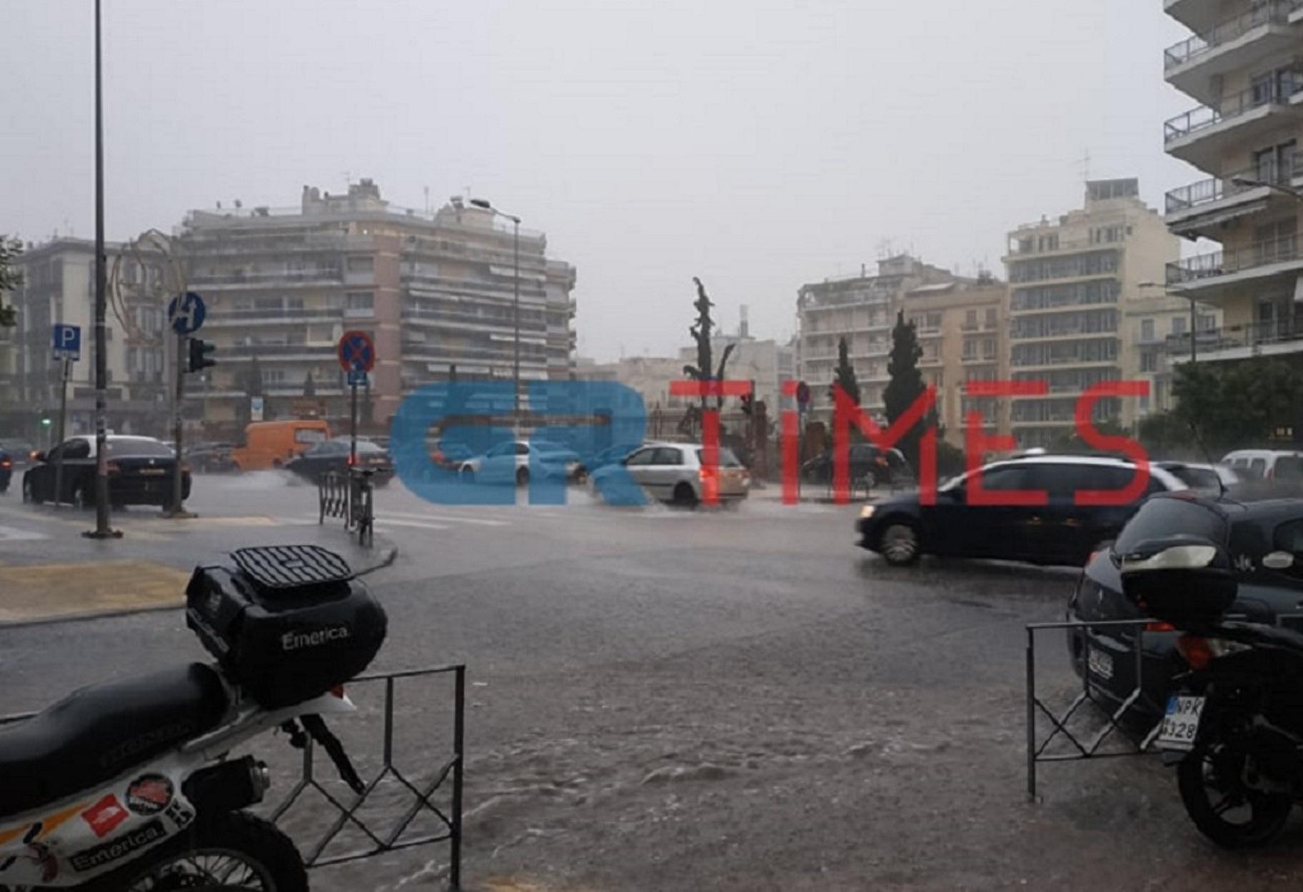 """""""Πνίγηκε"""" η Θεσσαλονίκη – Ισχυρή καταιγίδα και δρόμοι ποτάμια (pics, video)"""