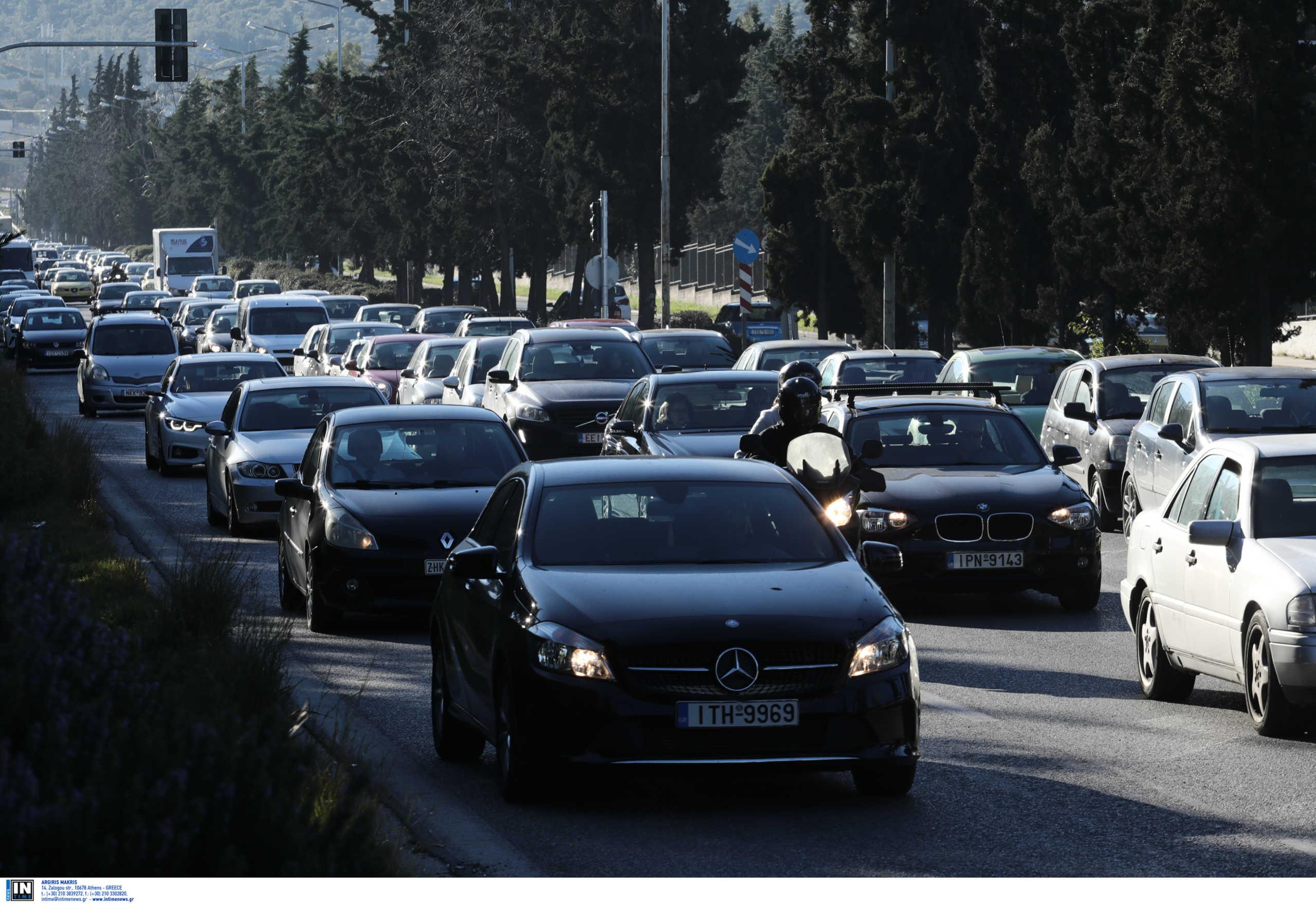 Ποιο lockdown; Ίδια η κίνηση στους δρόμους φέτος και πέρσι – Δείτε τα στοιχεία (pics)