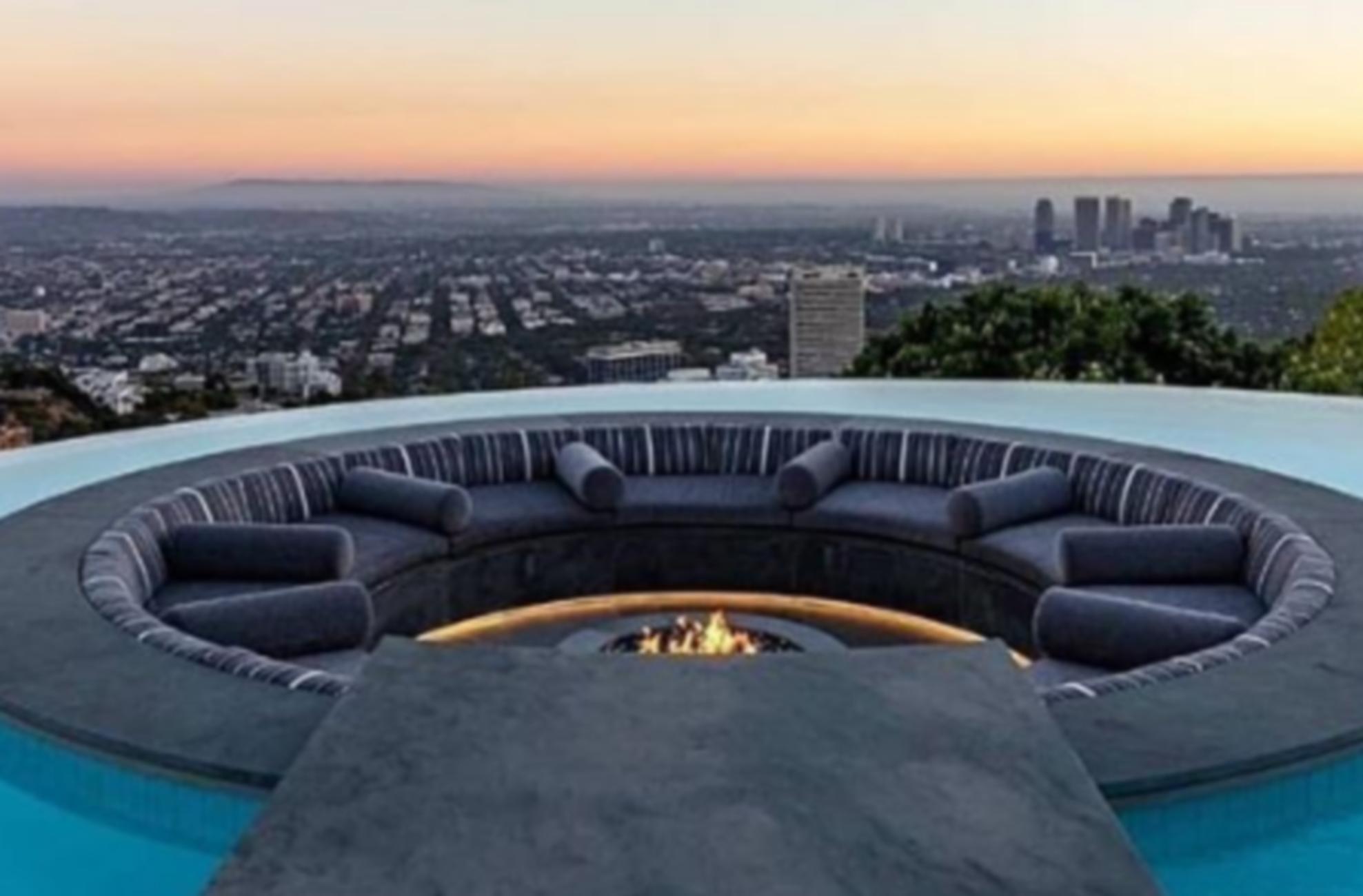 Ο Λεμπρόν Τζέιμς ζει μέσα στην απόλυτη χλιδή – Εντυπωσιάζουν οι φωτογραφίες από τη βίλα του στο Λος Άντζελες