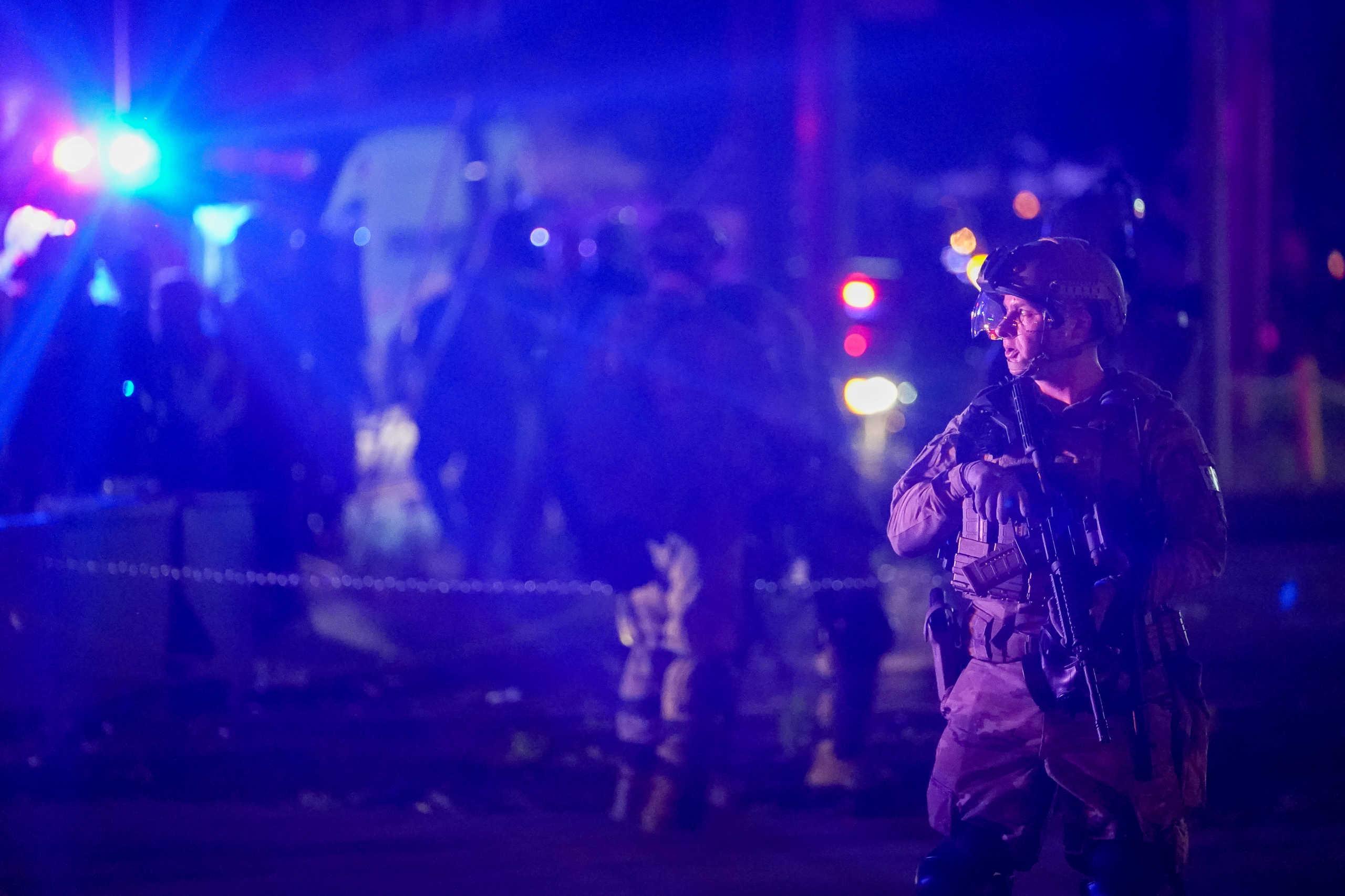 ΗΠΑ: Νέος θάνατος Αφροαμερικανού! Νεκρός εστιάτορας από αστυνομικά πυρά στο Λούιβιλ (pics, video)