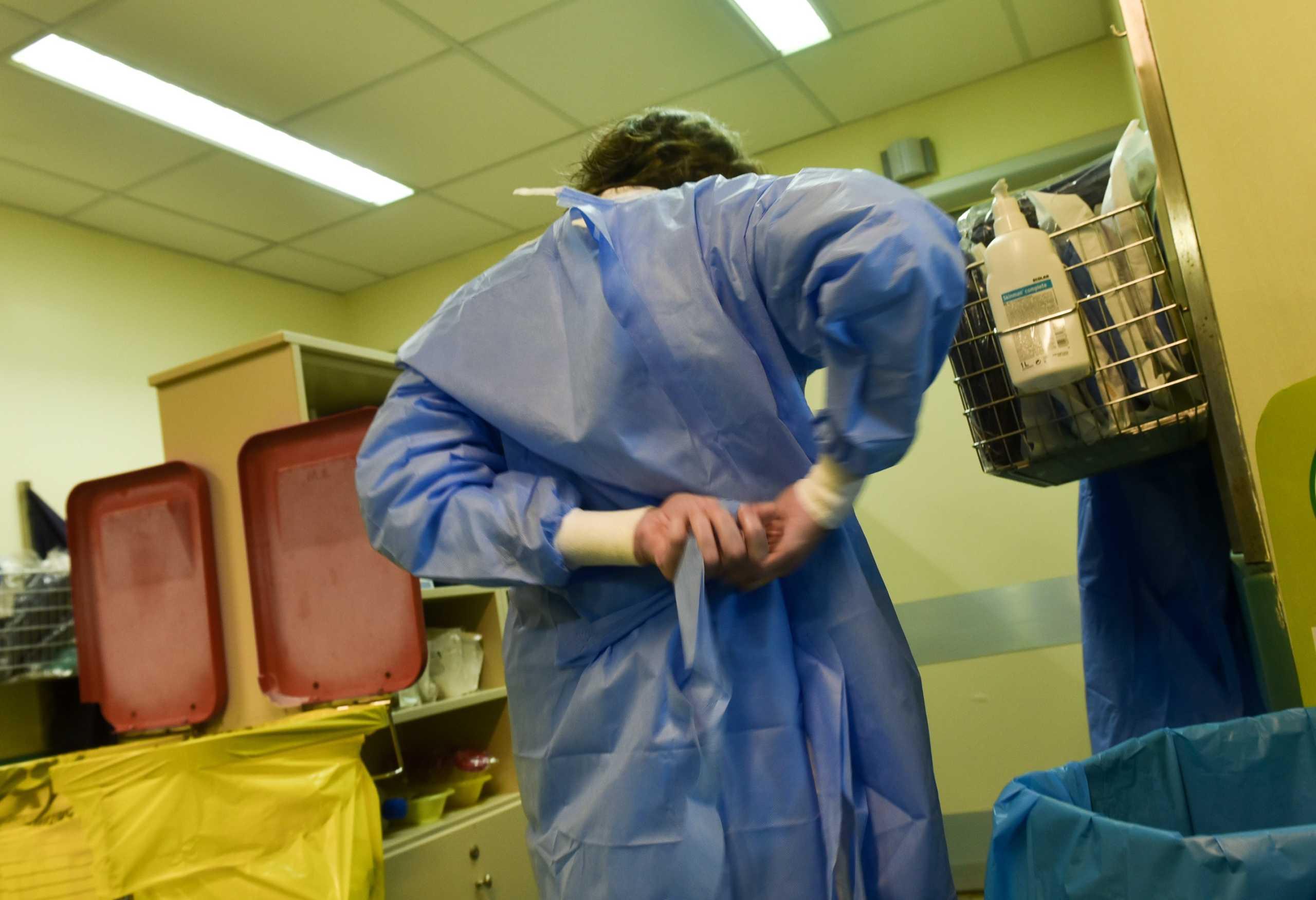 """Ίδρυμα Σταύρος Νιάρχος: """"Ευχαριστώ"""" με μπόνους 6,9 εκατ. ευρώ στους εργαζομένους των νοσοκομείων αναφοράς"""