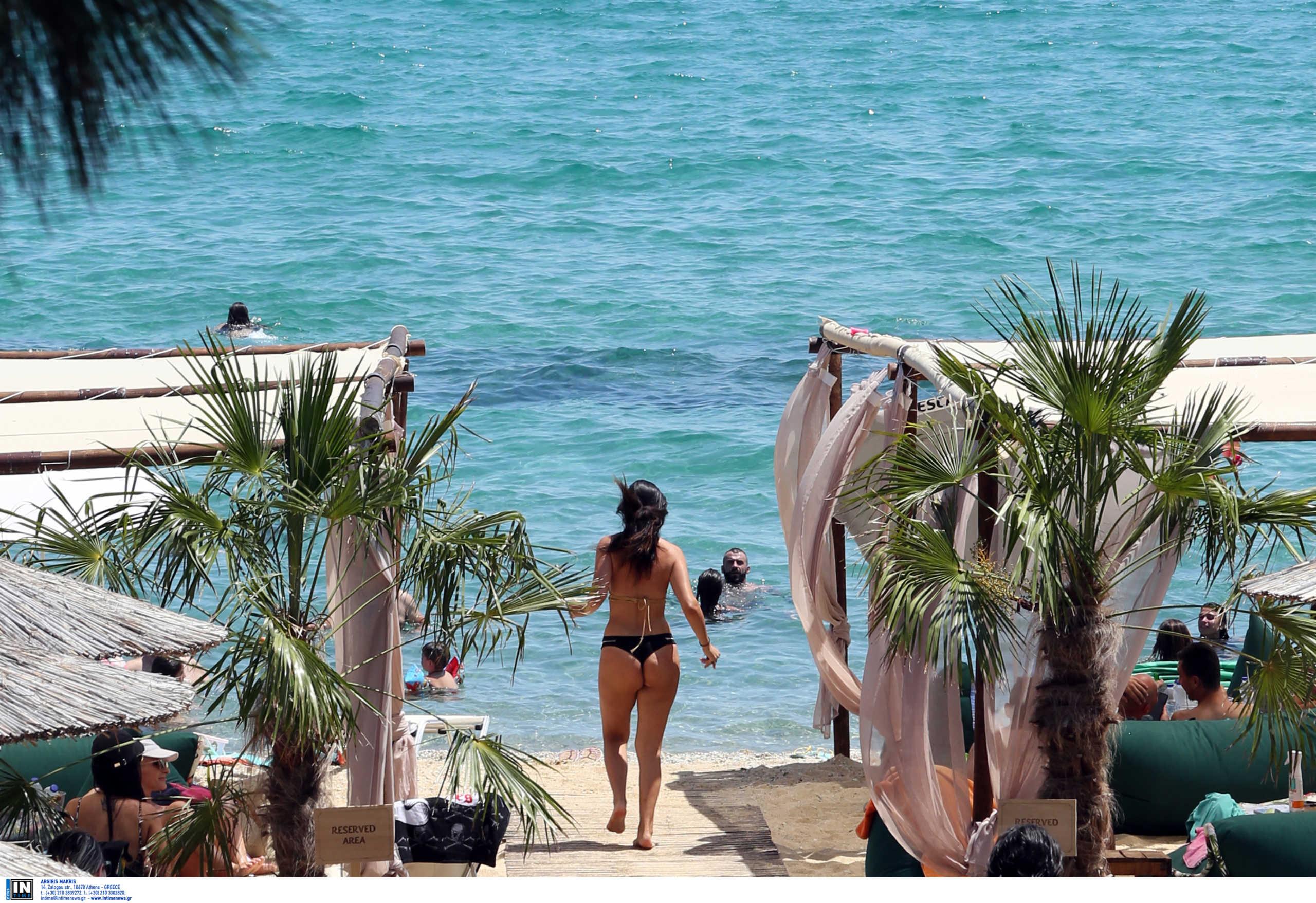 Νόμιμο πλέον το… καφεδάκι στις παραλίες! Όλα όσα προβλέπει η νέα ΚΥΑ για την χαλάρωση των μέτρων