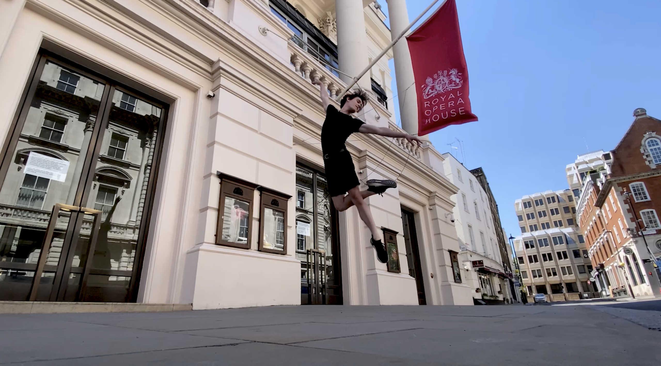 «Ανοίγει» με ζωντανή μουσική η Βασιλική Όπερα του Λονδίνου για online κοινό