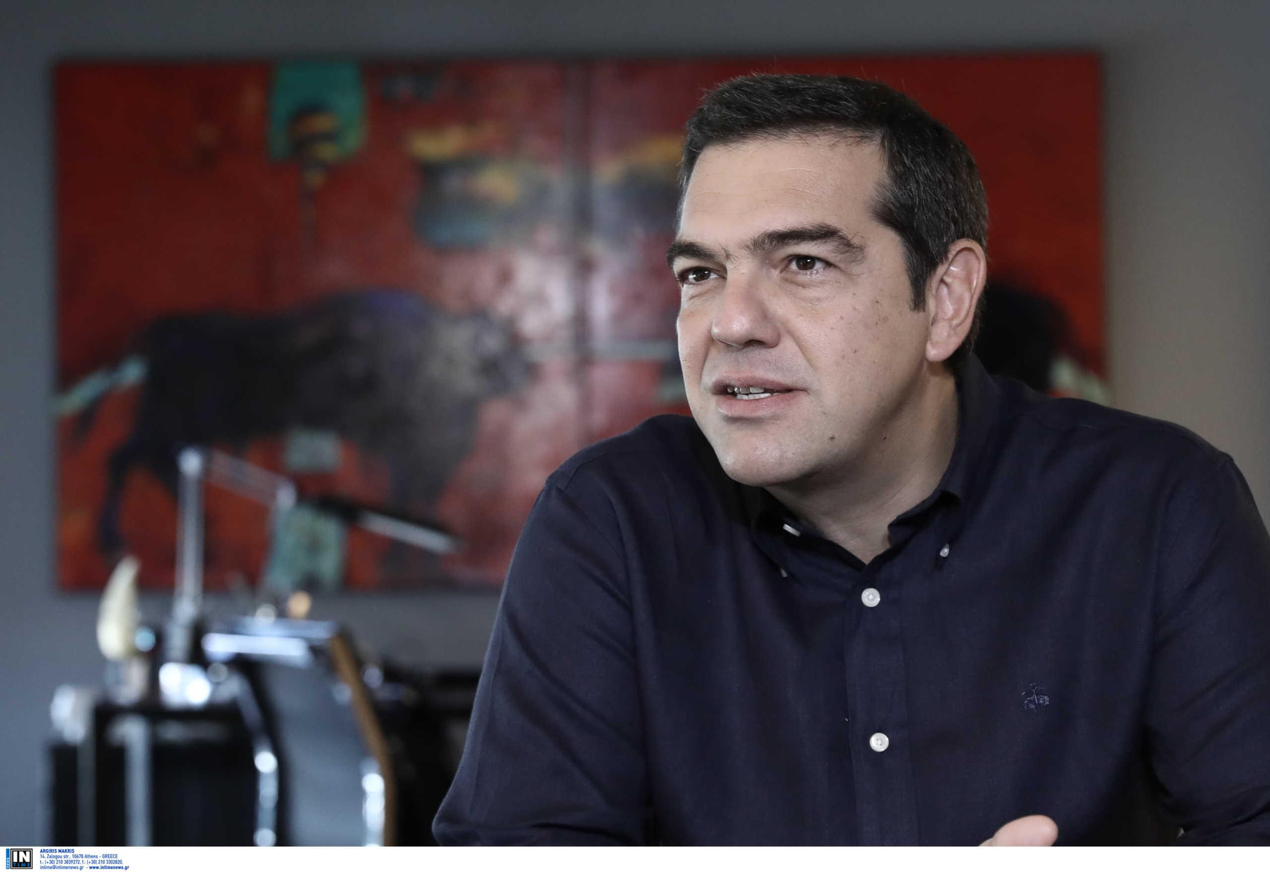 Πανελλήνιες: Με τον «Προορισμό» του Δεληβοριά ευχήθηκε καλή επιτυχία ο Αλέξης Τσίπρας