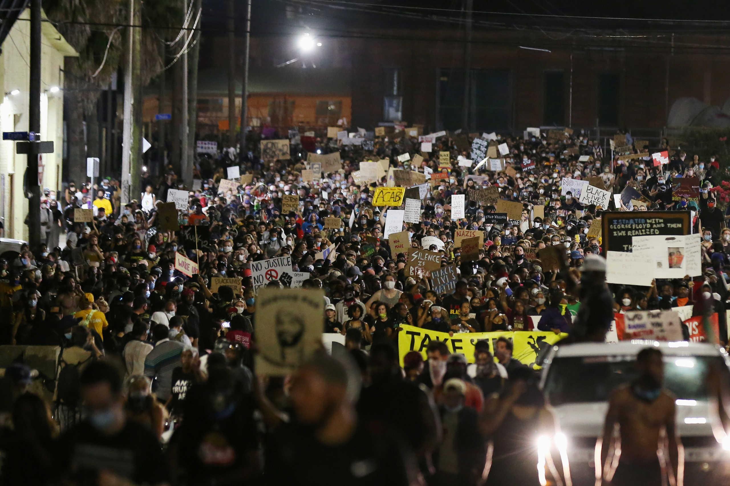 ΗΠΑ: Δίχως τέλος τα fake news εν μέσω  διαδηλώσεων για τη δολοφονία Φλόιντ