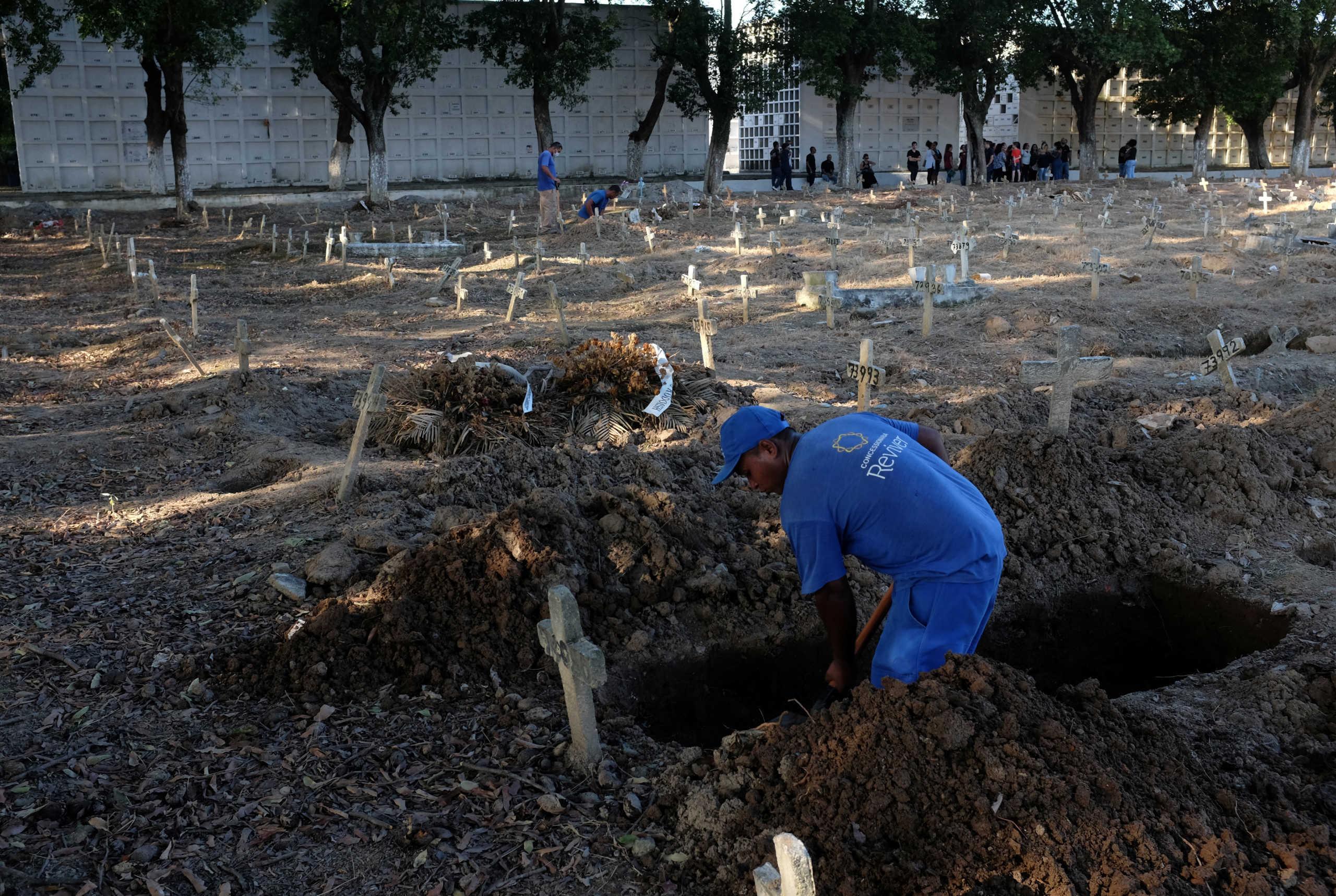 Βραζιλία: Θάνατος… παντού – Ακόμα 1.141 νεκροί από κορονοϊό! Μπολσονάρο: Μάλλον έχω νοσήσει