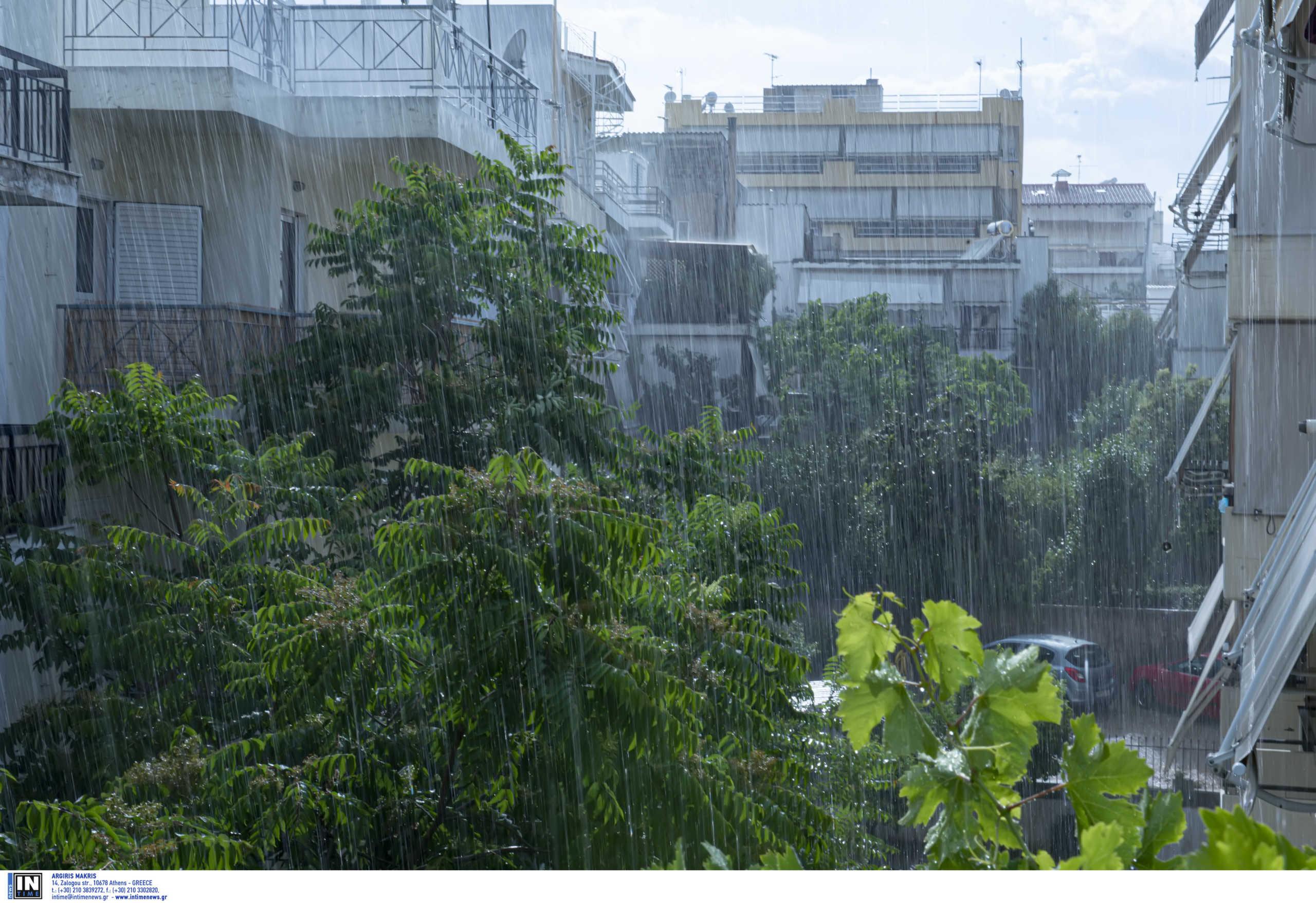 Καιρός αύριο: Τοπικές βροχές και καταιγίδες – Που θα χρειαστούμε ομπρέλα