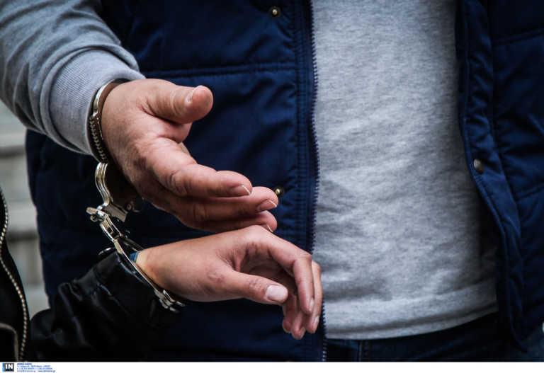 Καλαμάτα: Έκανε διακοπές ενώ εκκρεμούσαν σε βάρος του τέσσερα ευρωπαϊκά εντάλματα σύλληψης!