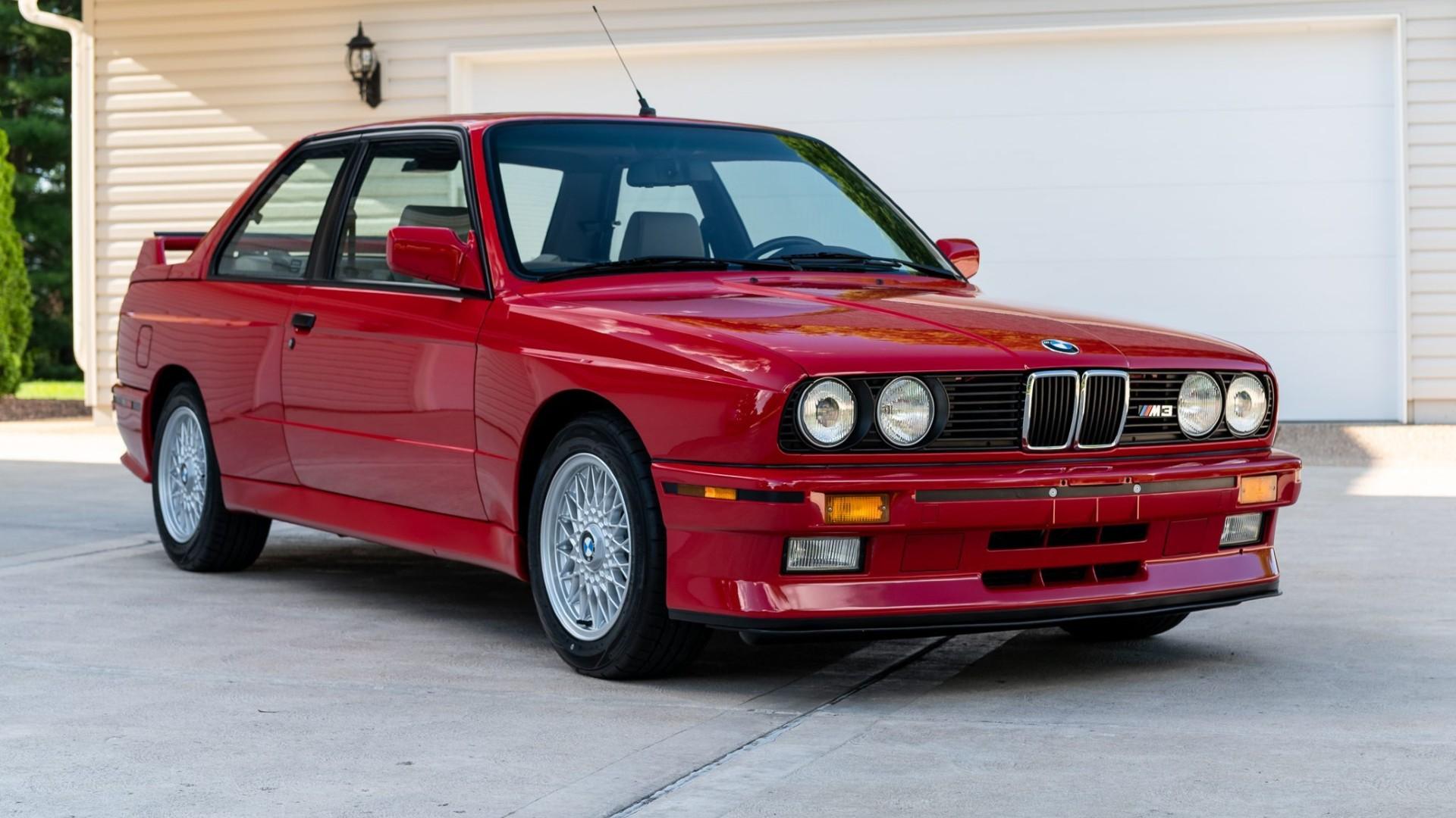 BMW M3 E30 πουλήθηκε σε τιμή… σούπερκαρ! [vid]