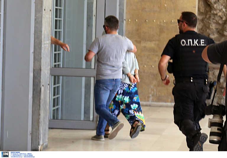 Ψάχνουν στη Γερμανία φωτογραφίες της 10χρονης – Τι κρύβει το λάπτοπ της απαγωγέα και τα μηνύματα που έσβησε