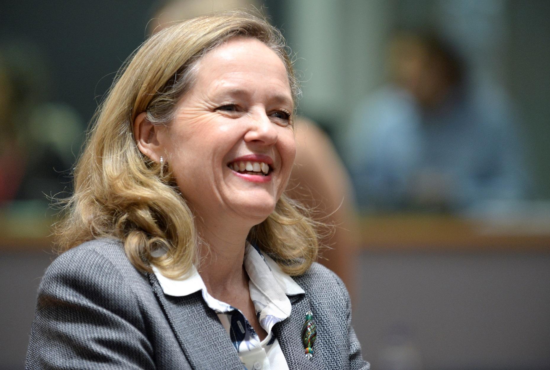 "Eurogroup: Την Ισπανίδα Νάντια Καλβίνιο για πρόεδρο ""ψηφίζει"" ο Μακρόν"