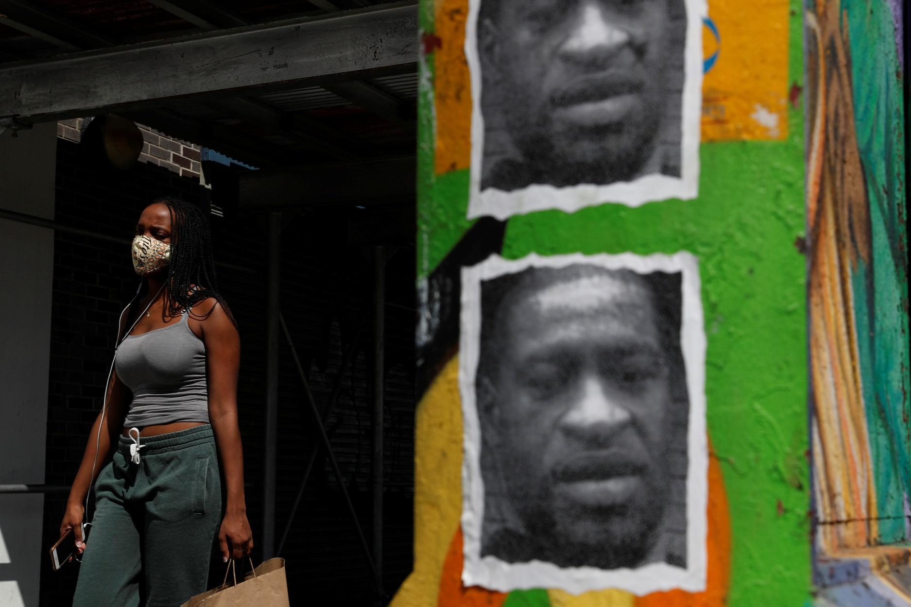 Τζορτζ Φλόιντ: Αγωγή στην πόλη της Μινεάπολης και τους 4 αστυνομικούς