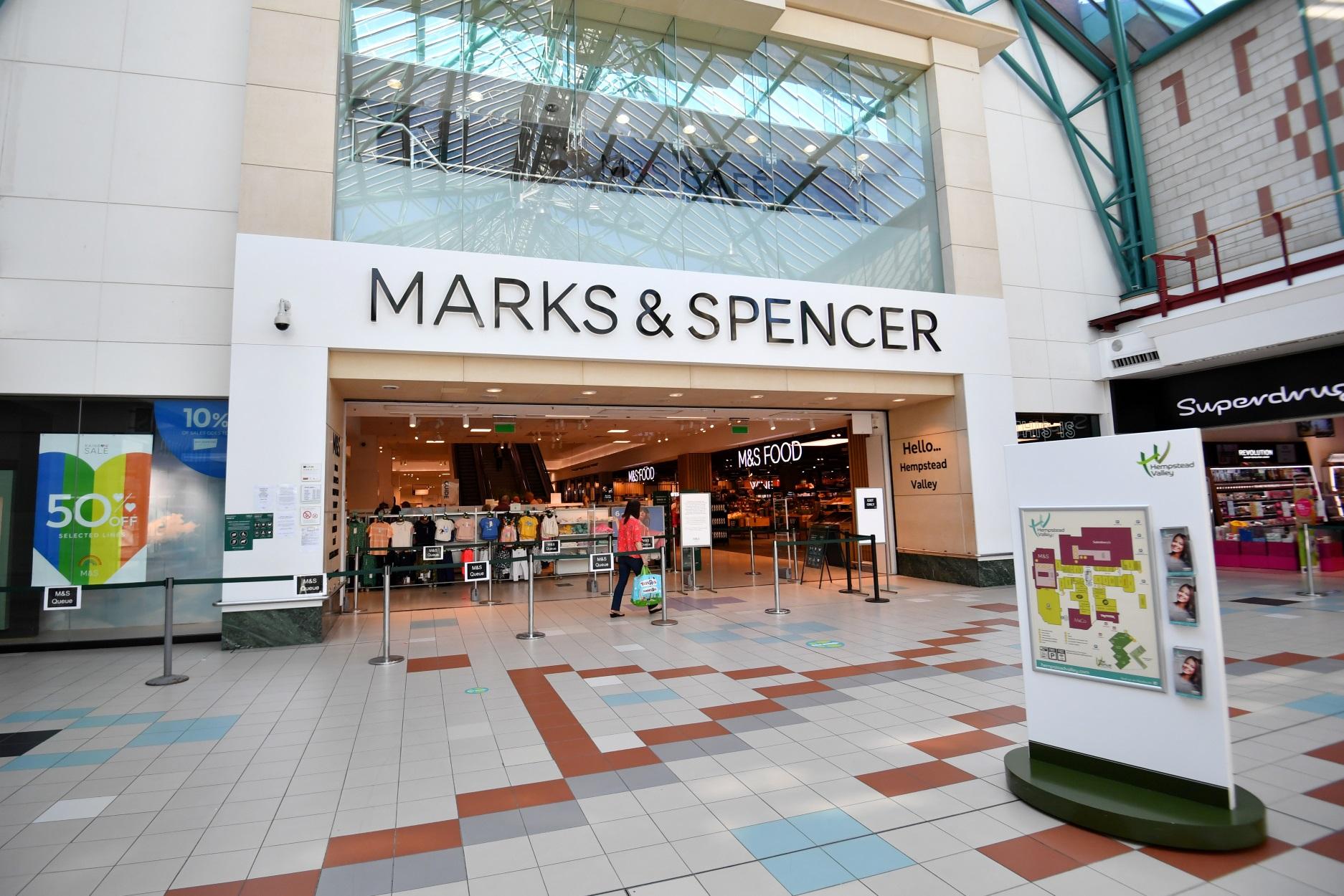 Τα Marks & Spencer ανακοίνωσαν ζημιές μετά από… 94 χρόνια!