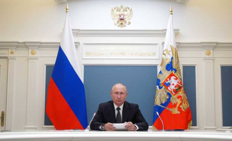 Sun: Ο Πούτιν έχει κρυφή εξώγαμη κόρη με πρώην καθαρίστρια και νυν εκατομμυριούχο (pics)