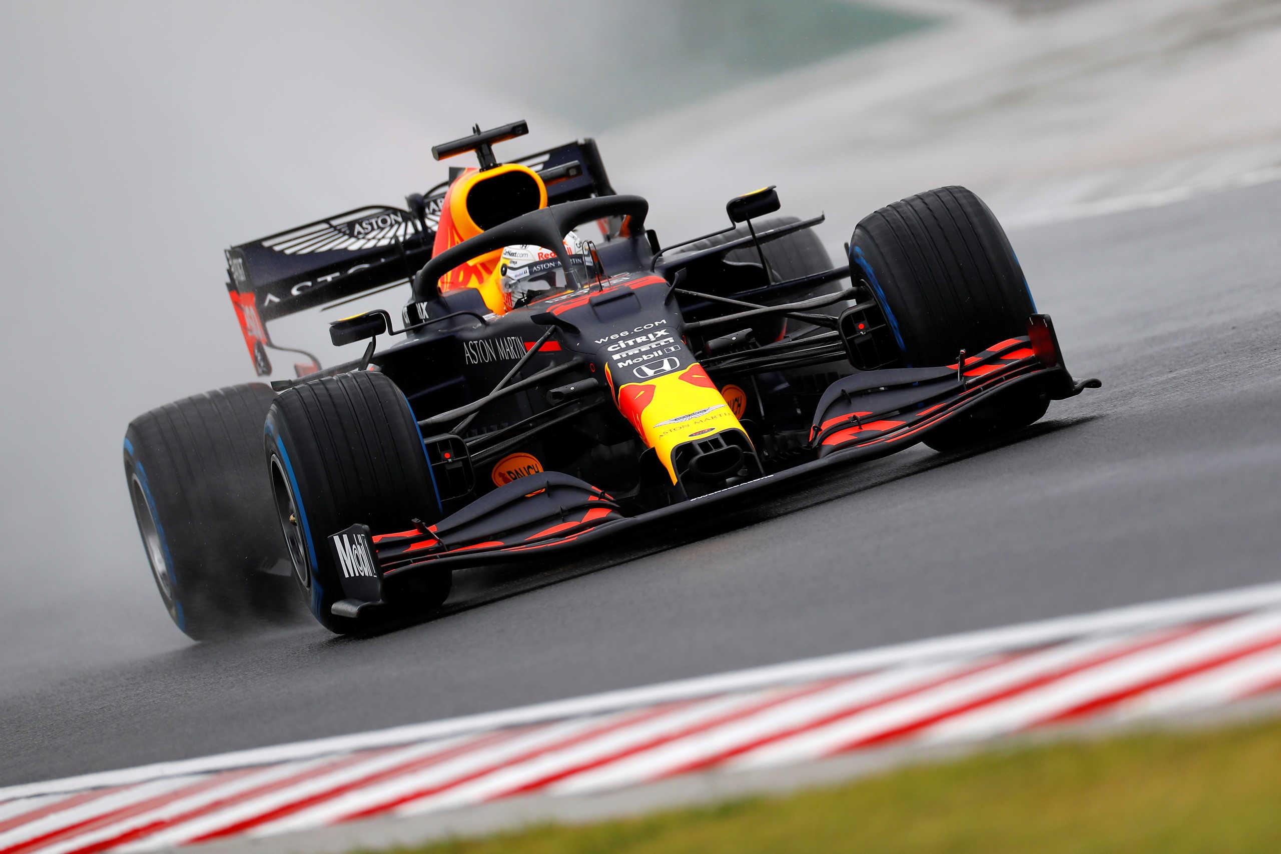 """Formula 1: Απίστευτη """"γκάφα"""" του Φερστάπεν! Τράκαρε πηγαίνοντας στη γραμμή εκκίνησης (video)"""