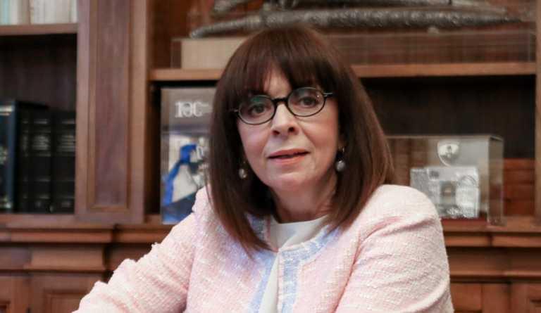 Μήνυμα Σακελλαροπούλου στα γαλλικά: Η Ευρώπη δεν θα υποχωρήσει στον θρησκευτικό φανατισμό
