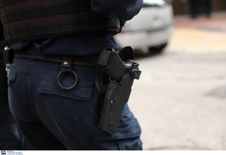 Αστυνομικός κατηγορείται ότι έδειρε πολίτη