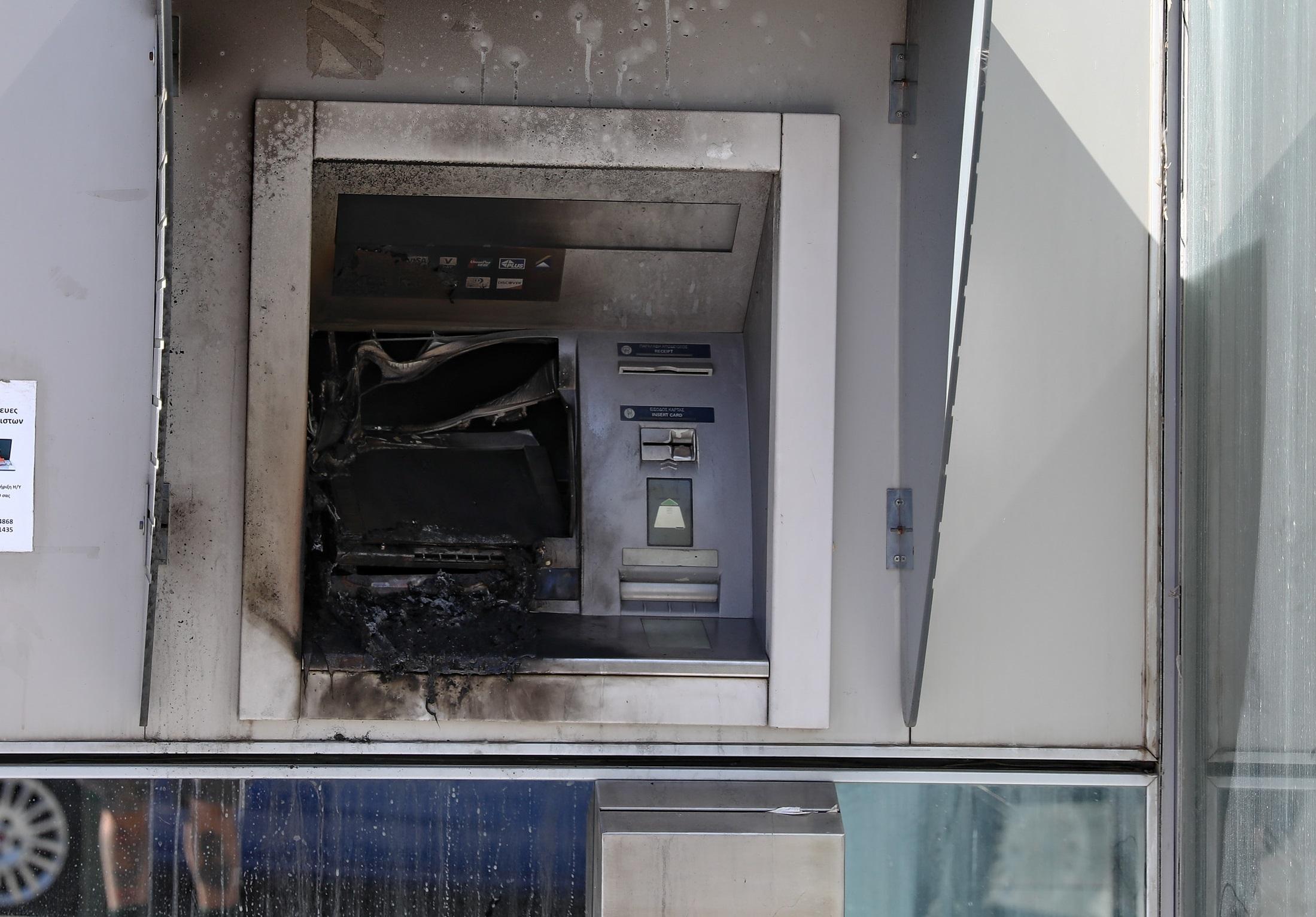Μαρούσι: Ανατίναξη δύο ATM σε εμπορικό κέντρο