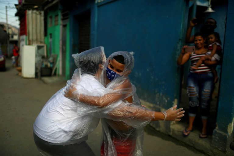 Ο κορονοϊός «τσακίζει» τη Λατινική Αμερική: Πάνω από 10 εκατ. κρούσματα στη Βραζιλία – 178.108 νεκροί στο Μεξικό
