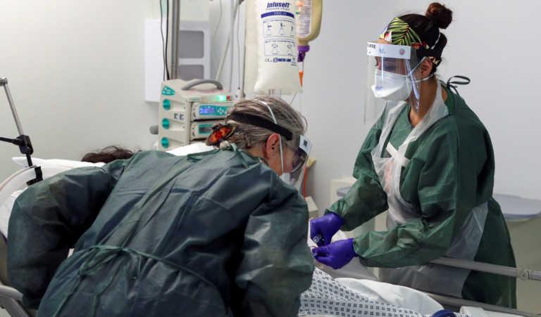 Κορονοϊός: Ρεκόρ νοσηλευομένων στη Βρετανία – «Γονατίζουν» νοσοκομεία και υγειονομικό προσωπικό