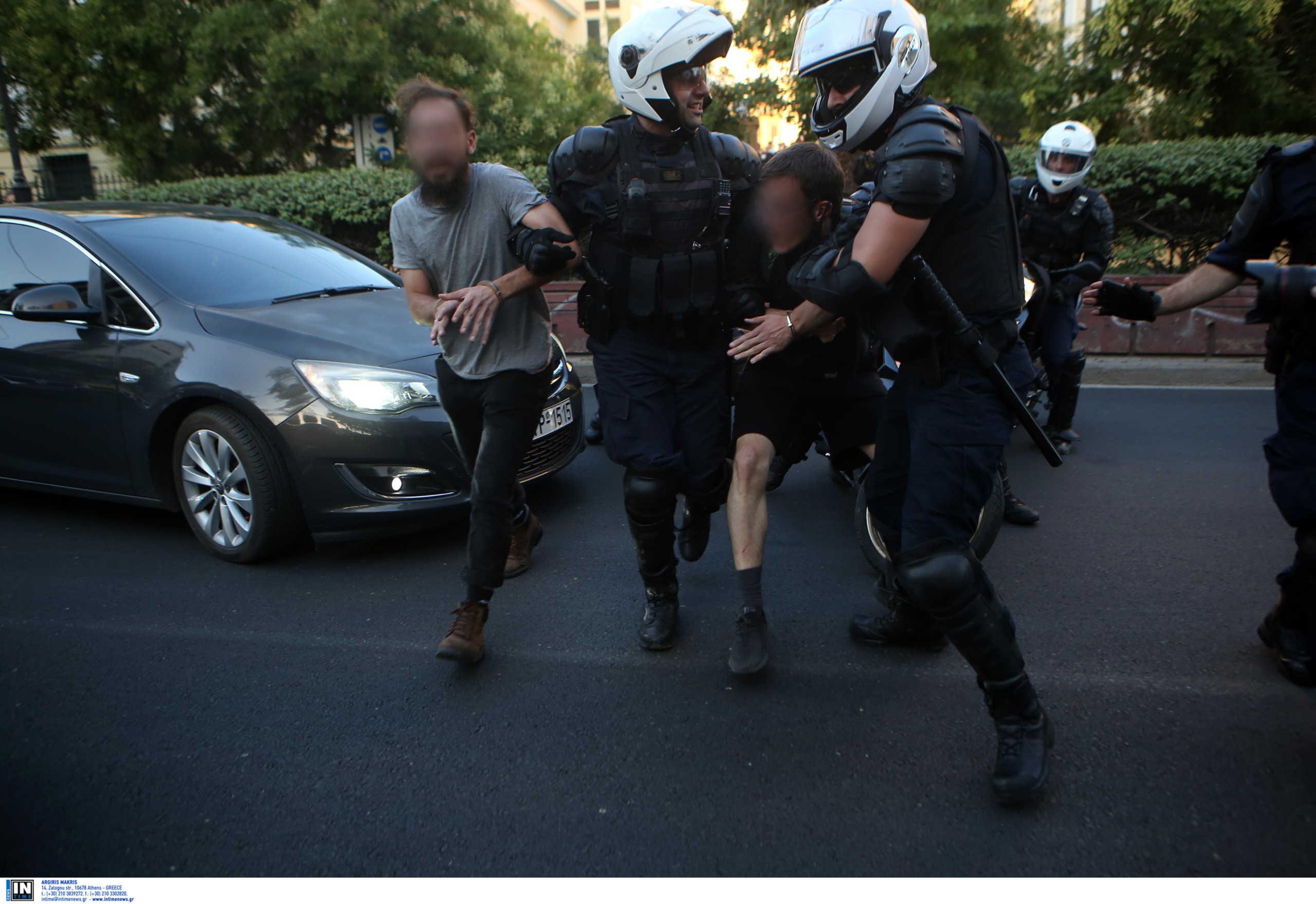 Ελεύθεροι οι συλληφθέντες για τα επεισόδια στην ΑΣΟΕΕ