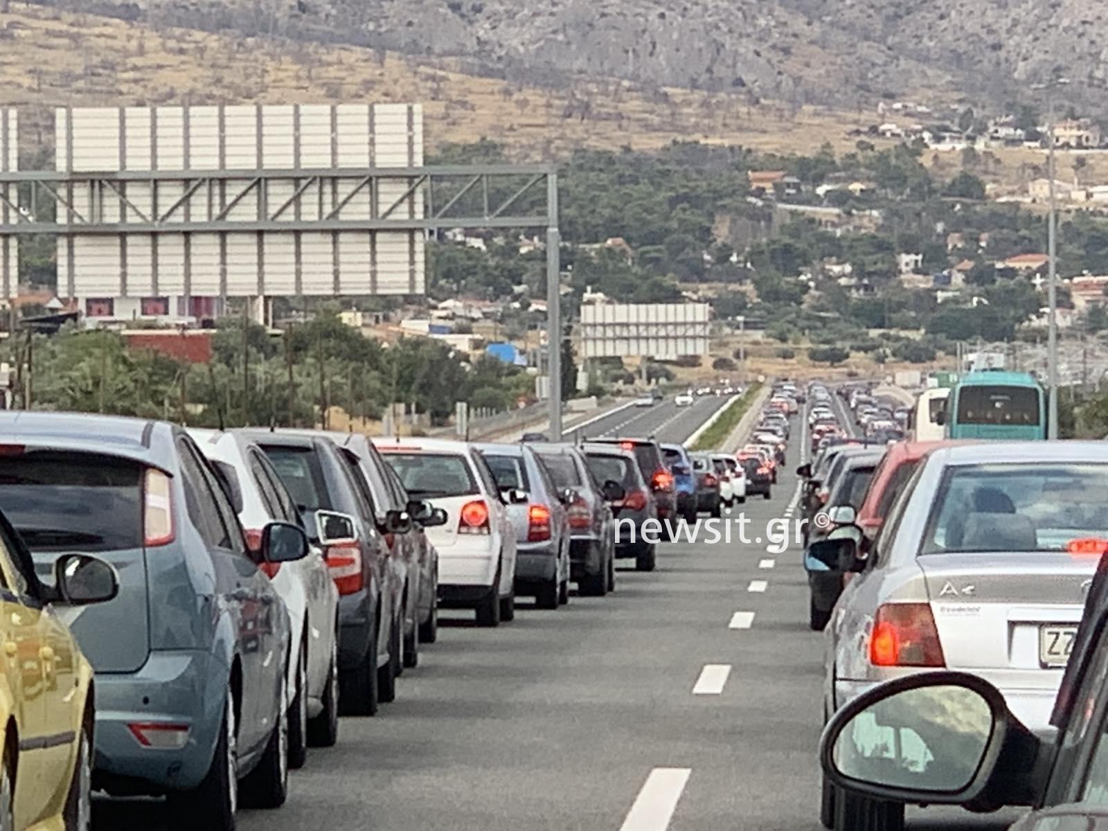 Εθνική Οδός: Κόλαση με μποτιλιάρισμα χιλιομέτρων στην Αθηνών – Κορίνθου (Φωτό και Βίντεο)