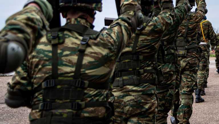 """Αύξηση στρατιωτικής θητείας: Πότε """"κληρώνει"""" – Τι θα γίνει με όσους υπηρετούν"""