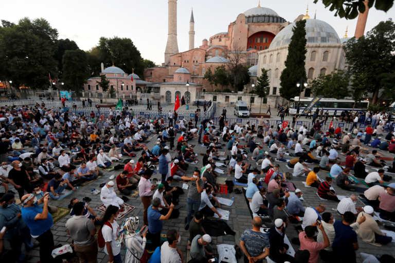 Ο Ερντογάν θυμίζει με κάθε τρόπο στους Τούρκους πως ήταν η Αγιά Σοφιά ως τζαμί (video)