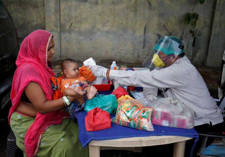 Κορονοϊός: Πλησιάζει το 1.000.000 κρούσματα η Ινδία