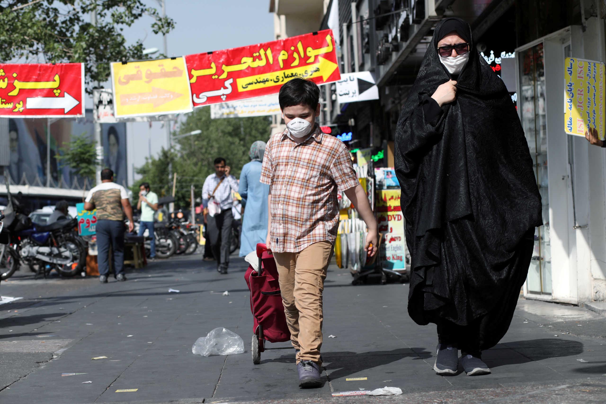 Κορονοϊός: Αρνητικό ρεκόρ κρουσμάτων σε μια μέρα στο Ιράν – 482 νέοι θάνατοι