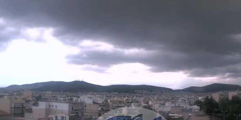 Καιρός σήμερα: Κουφόβραση με βροχές και ζέστη - Που θα ρίξει χαλάζι