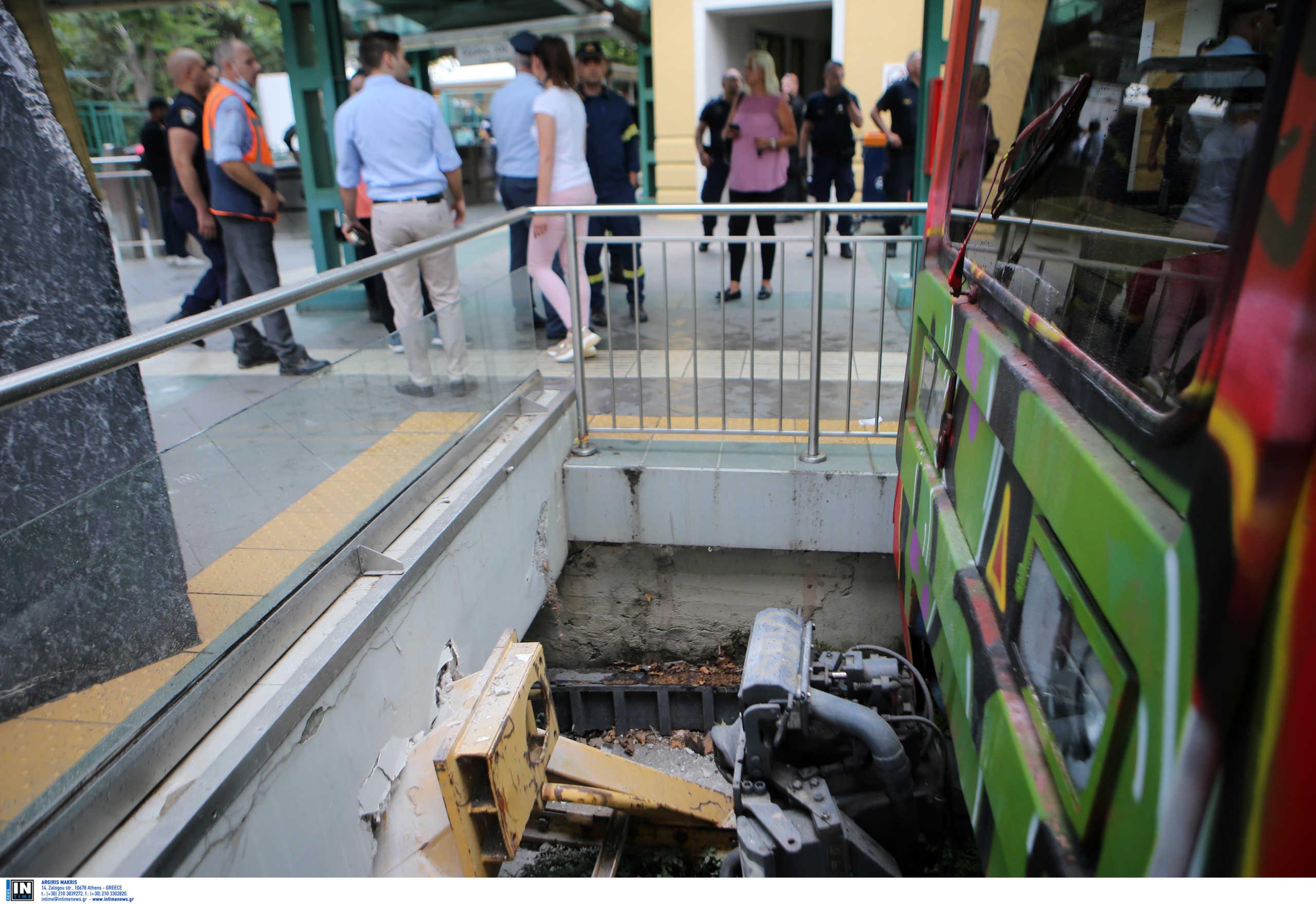 Πήραν εξιτήριο πέντε από τους οκτώ τραυματίες από το ατύχημα με συρμό του ΗΣΑΠ (pics)