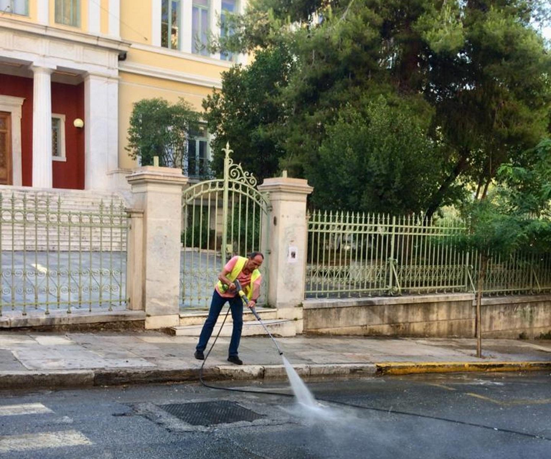 """""""Λαμπίκο"""" το Κολωνάκι μετά τη δράση του Δήμου Αθηναίων (pics)"""