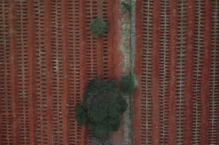Βραζιλία: Νέο εφιαλτικό 24ωρο με 1.555 νεκρούς από κορονοϊό