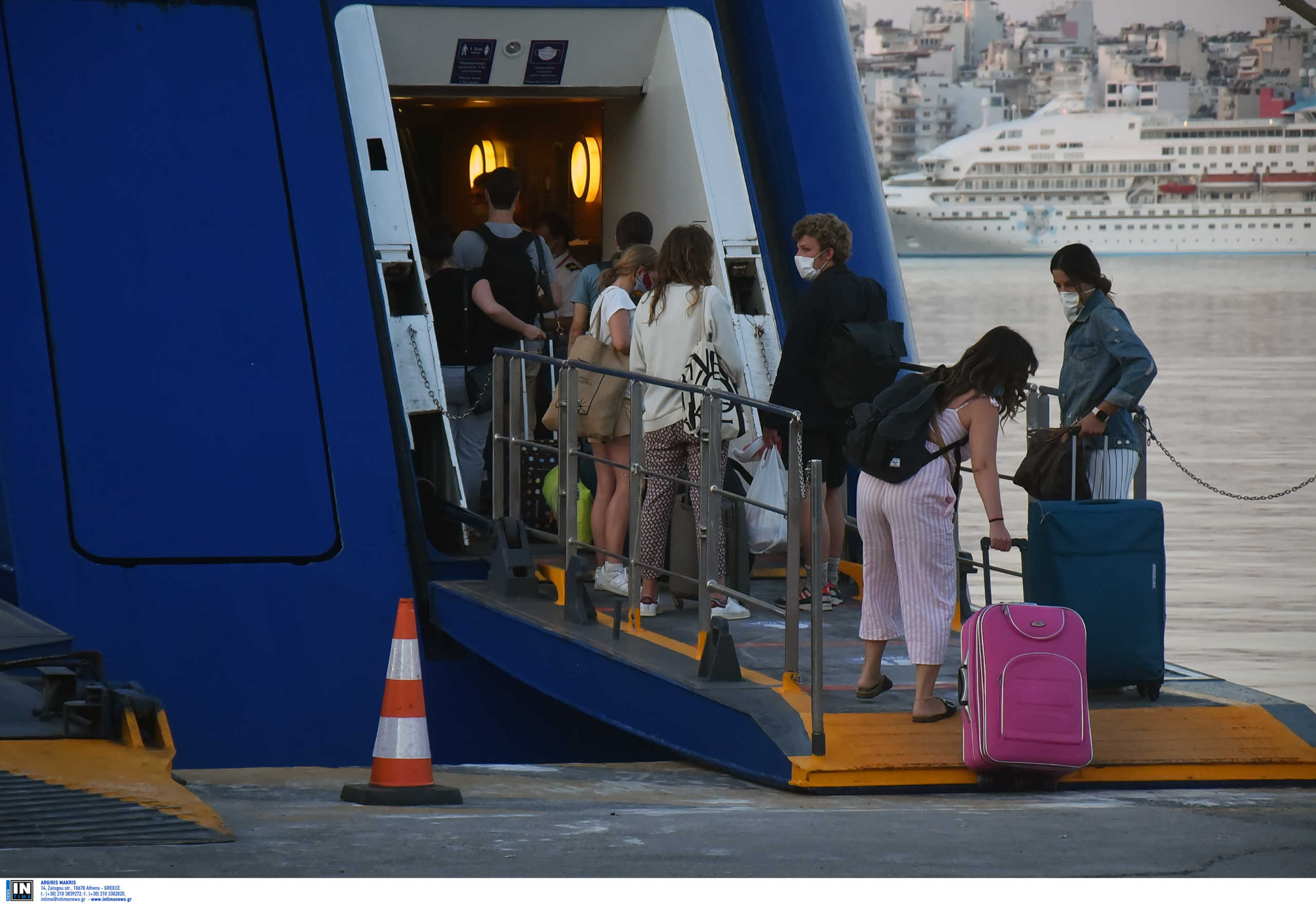 Κορονοϊός: Έτσι θα επιτρέπονται οι μετακινήσεις στα νησιά