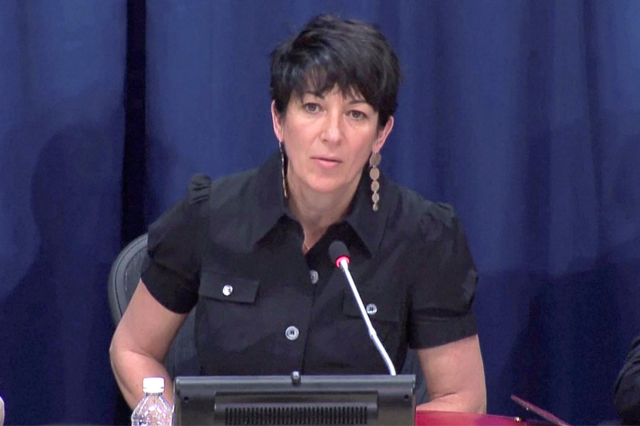 Γκισλέιν Μάξγουελ: Δίνουν 30 εκατ. δολάρια για να αποφυλακιστεί ηγυναίκα που οργάνωνε τους βιασμούς για λογαριασμό του Επστάιν