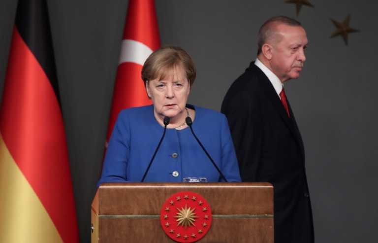 """Μέρκελ """"παγώνει"""" Ερντογάν: Ταξιδιωτική προειδοποίηση για το σύνολο της Τουρκίας"""