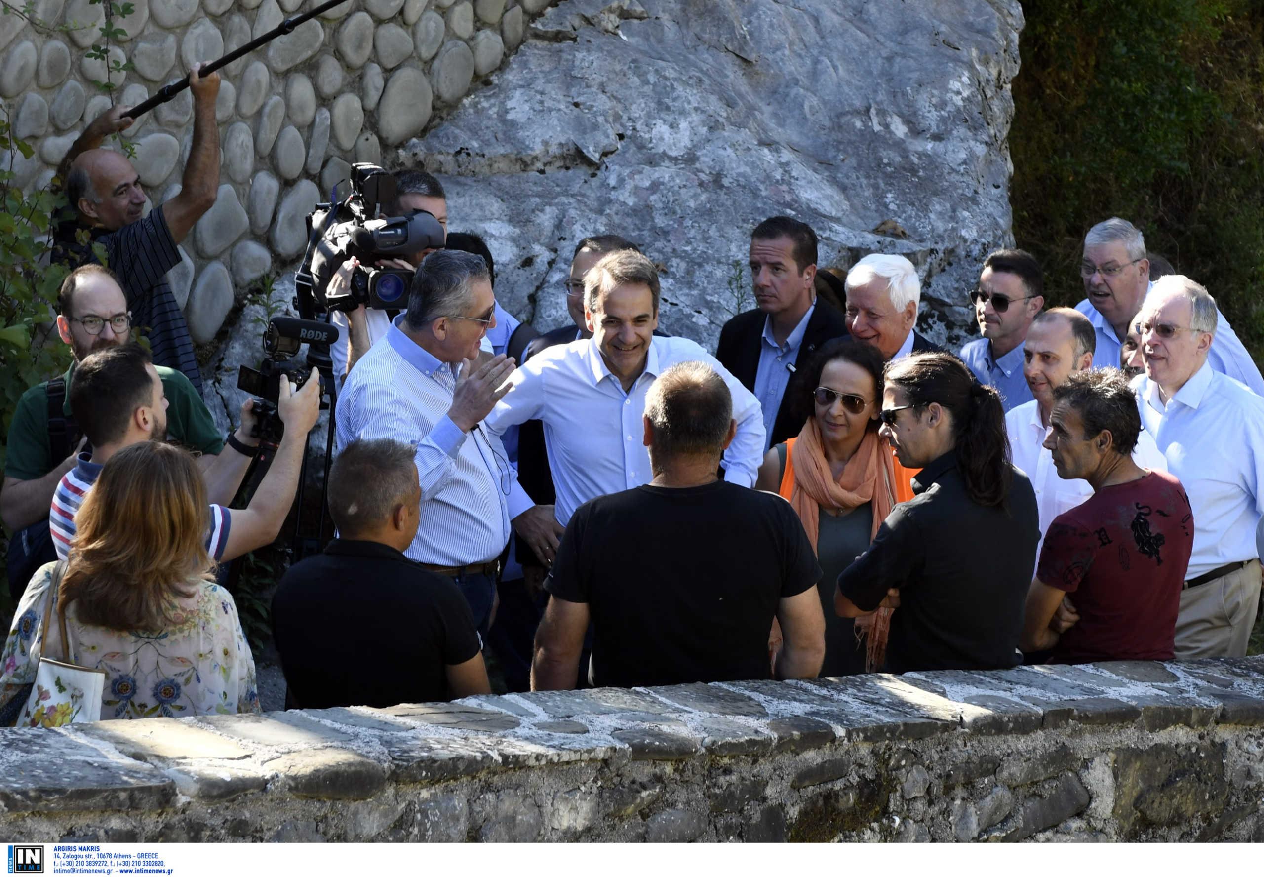 Μητσοτάκης από Ιωάννινα: Θαύμα πολιτιστικής κληρονομιάς το γεφύρι ...