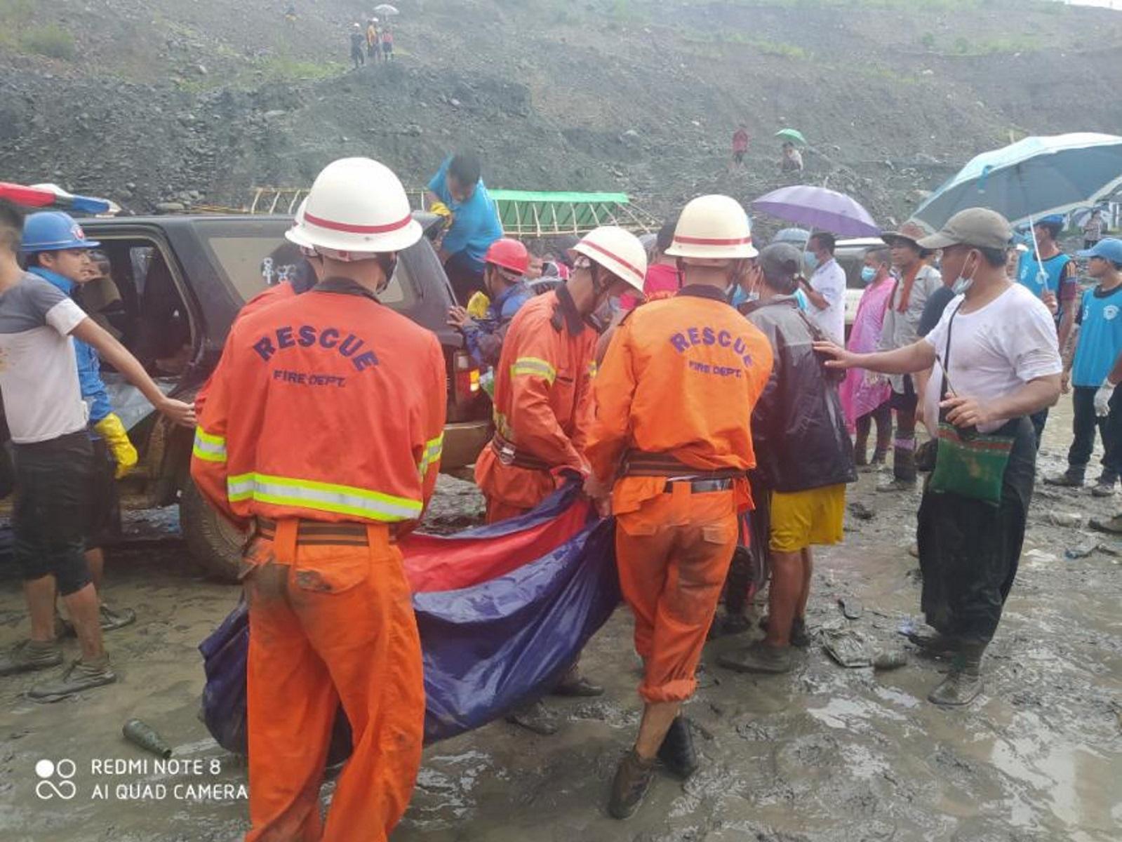 Θρήνος στην Μιανμάρ: Πάνω από 160 νεκροί από κατολίσθηση σε ορυχείο νεφρίτη