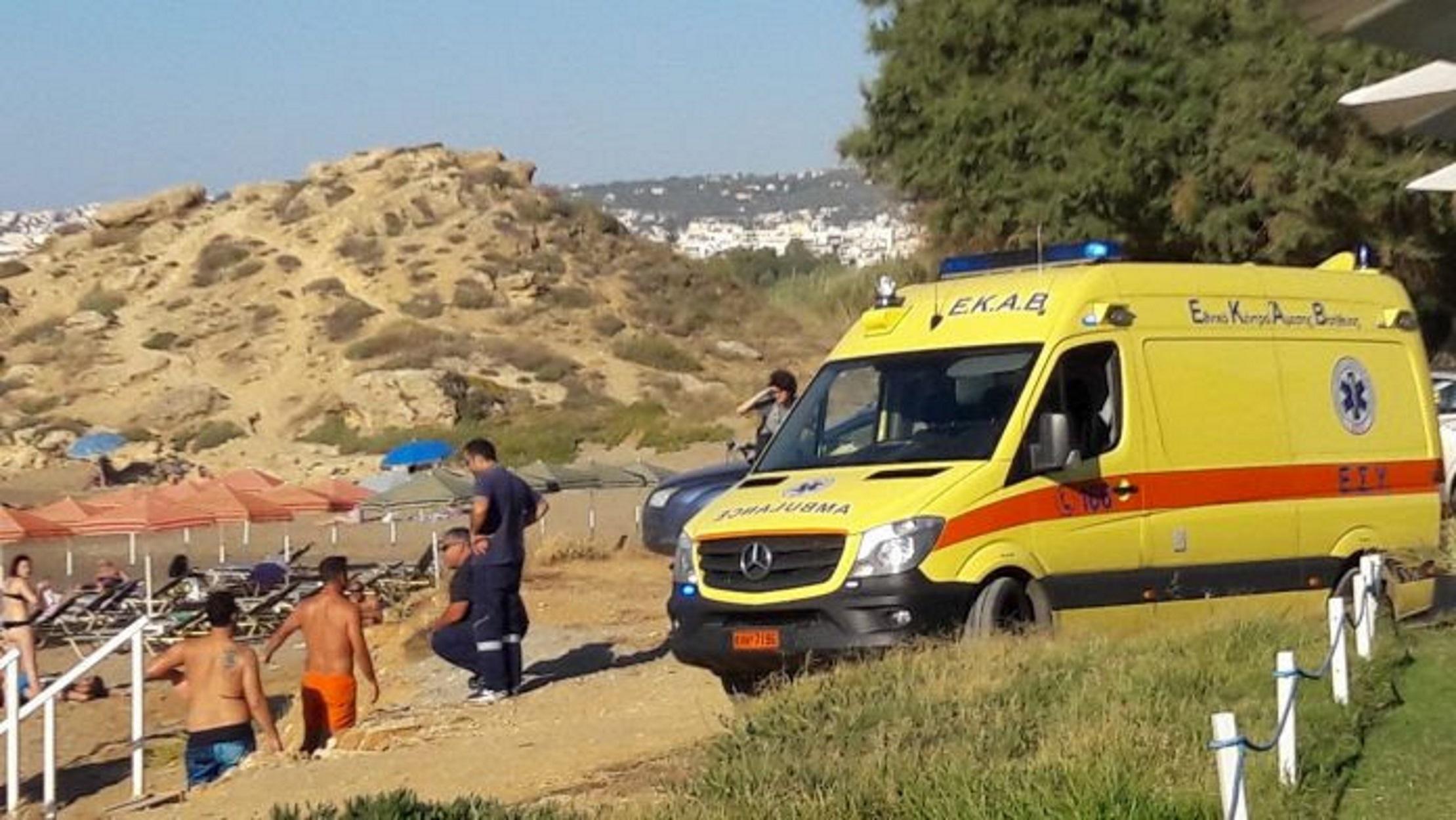 Σοκ στα Χανιά: Νεκρός στην κατάμεστη παραλία των Αγίων Αποστόλων (pic)