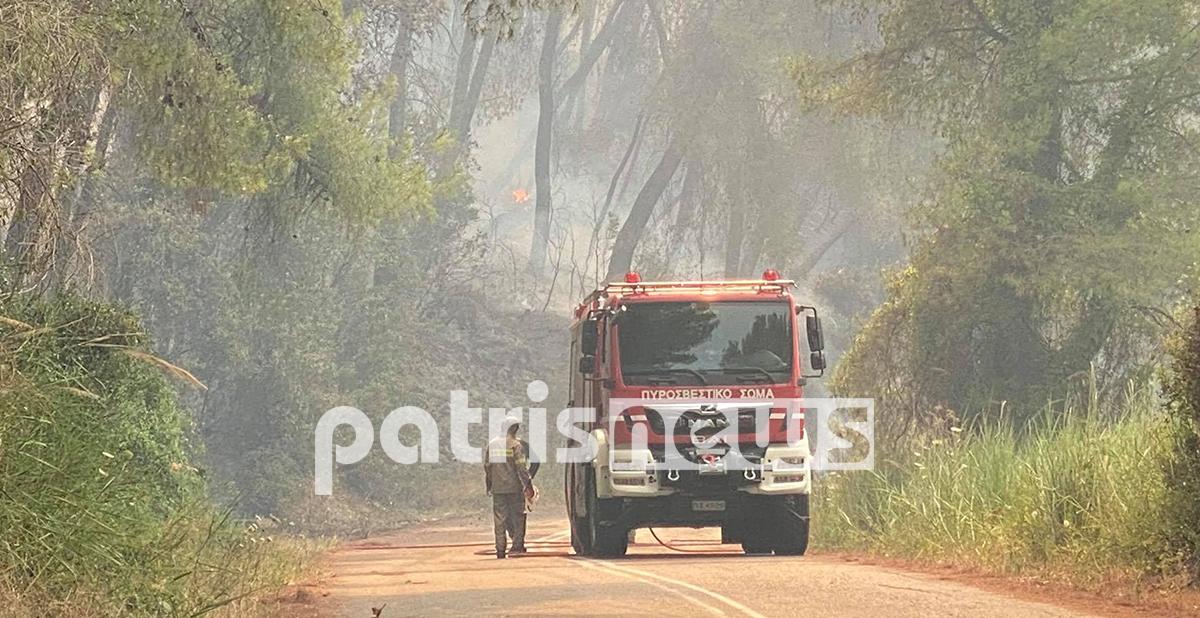 Ηλεία: Ανατροπή πυροσβεστικού, δυο τραυματίες