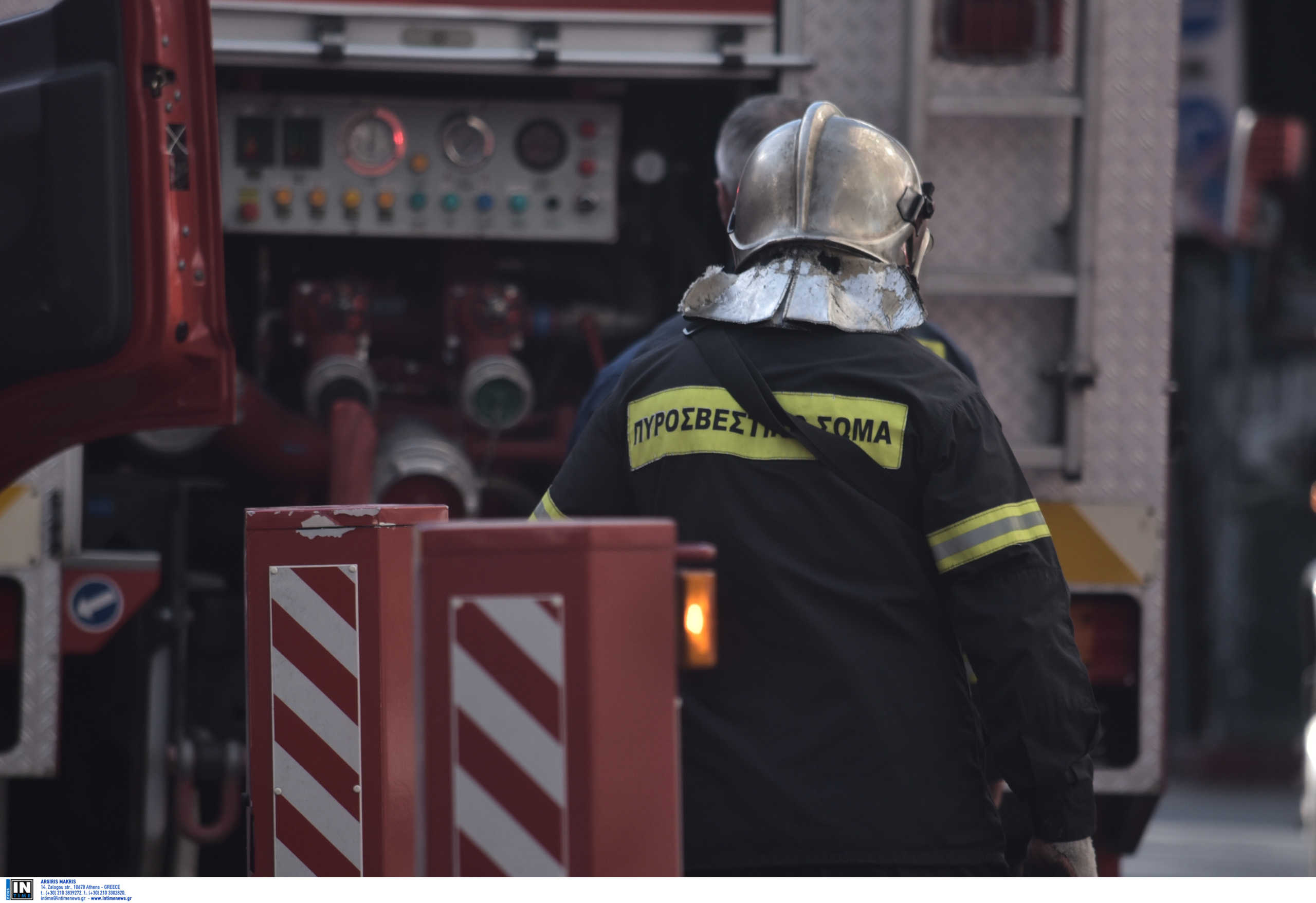 Φωτιά σε βιοτεχνία στο Μοσχάτο
