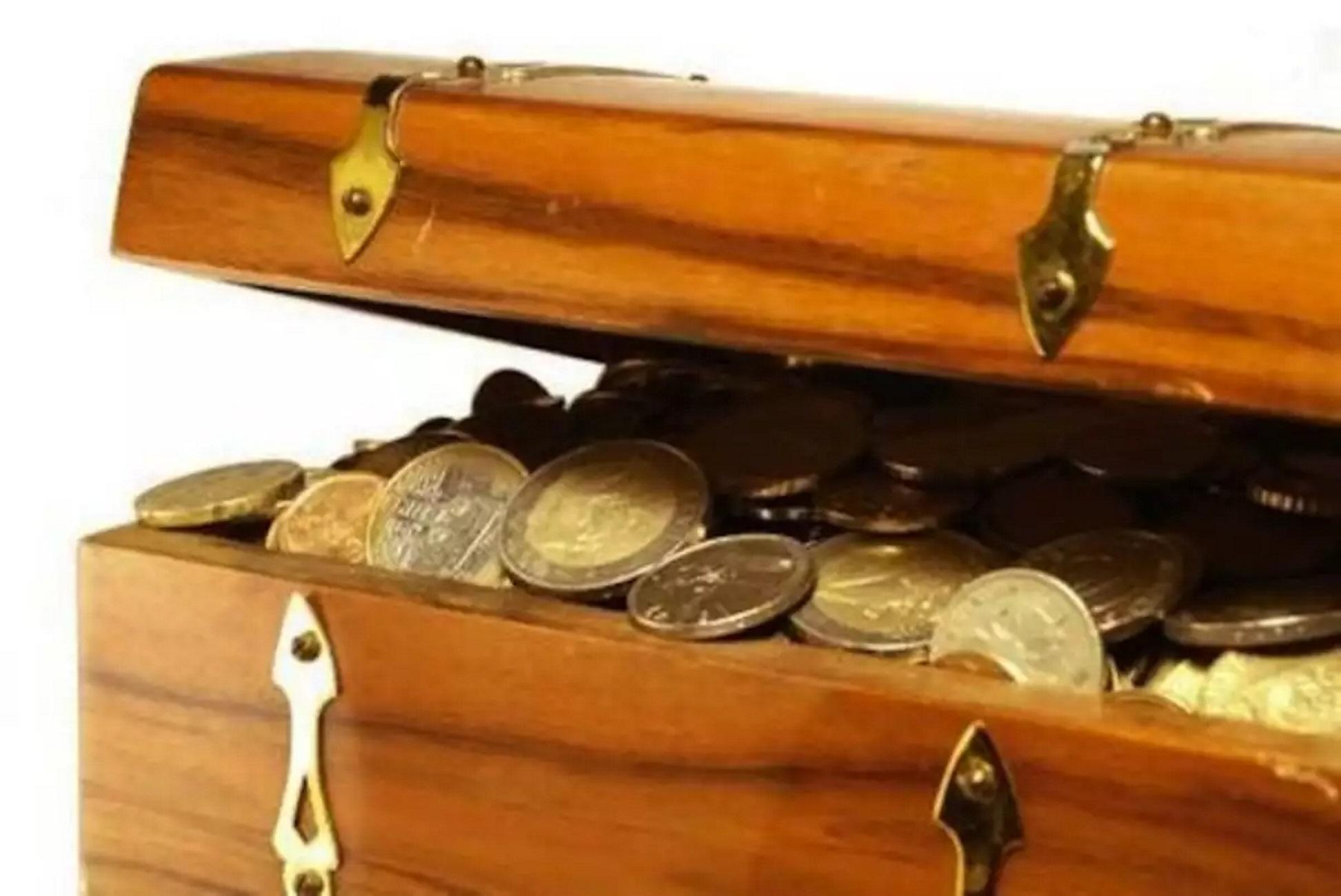 Βόλος: Το σεντούκι του παππού έκρυβε 17.000 ευρώ! Το μεγάλο λάθος έγινε την πιο ακατάλληλη στιγμή