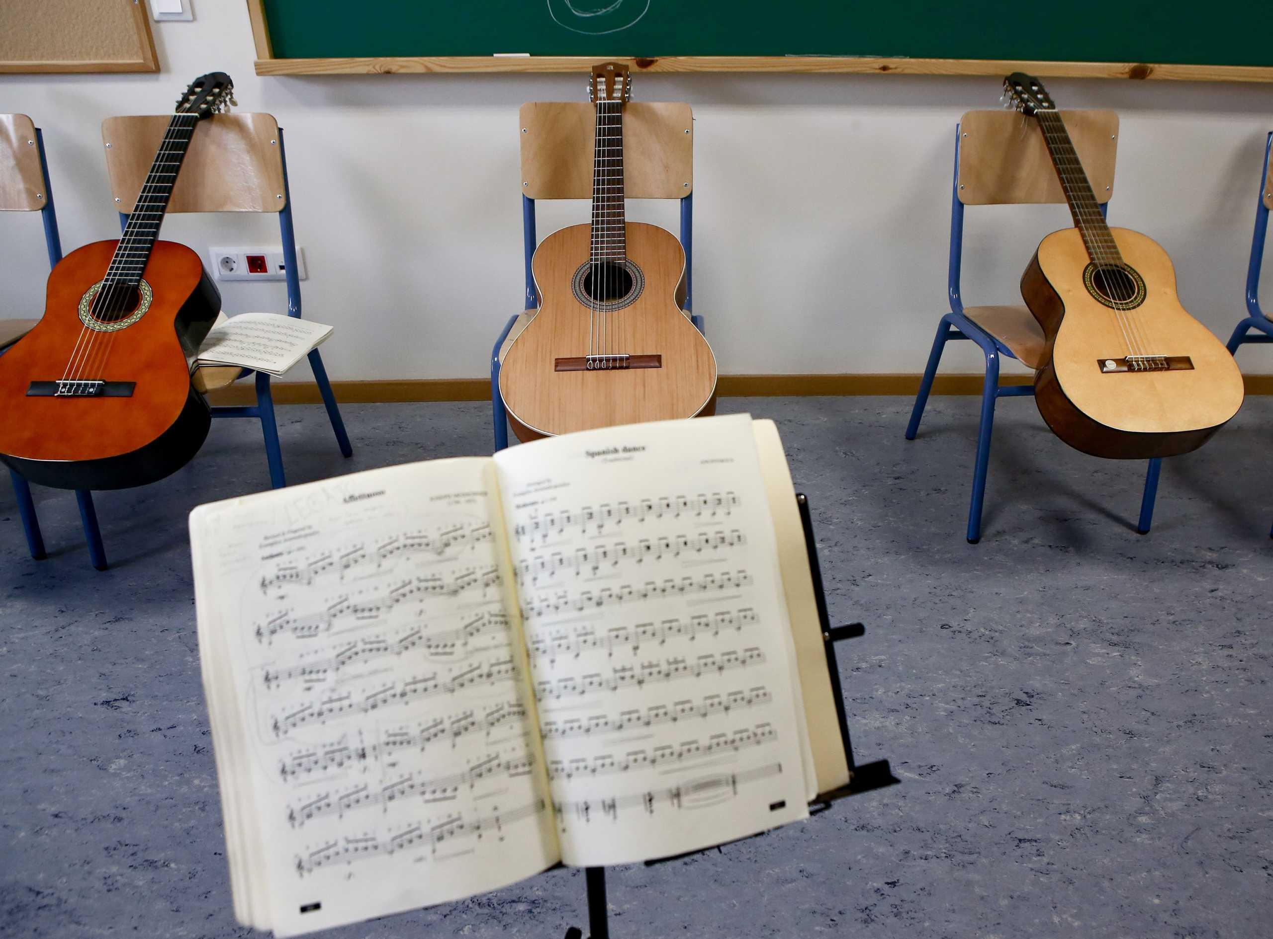 Χειρόγραφοι στίχοι ενός διάσημου τραγουδιού θα πουληθούν 1,5 εκατομμύριο ευρώ