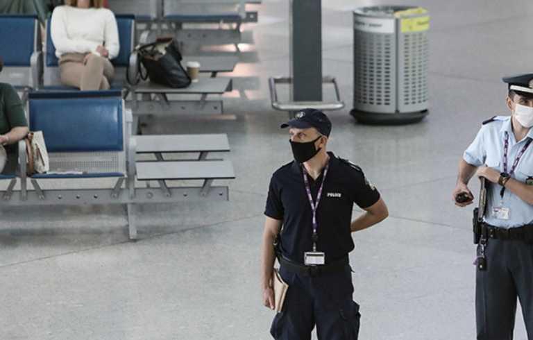 Ηράκλειο: SOS από τους αστυνομικούς! Χωρίς στολές και εκπαίδευση για τον κορονοϊό τους στέλνουν στο αεροδρόμιο