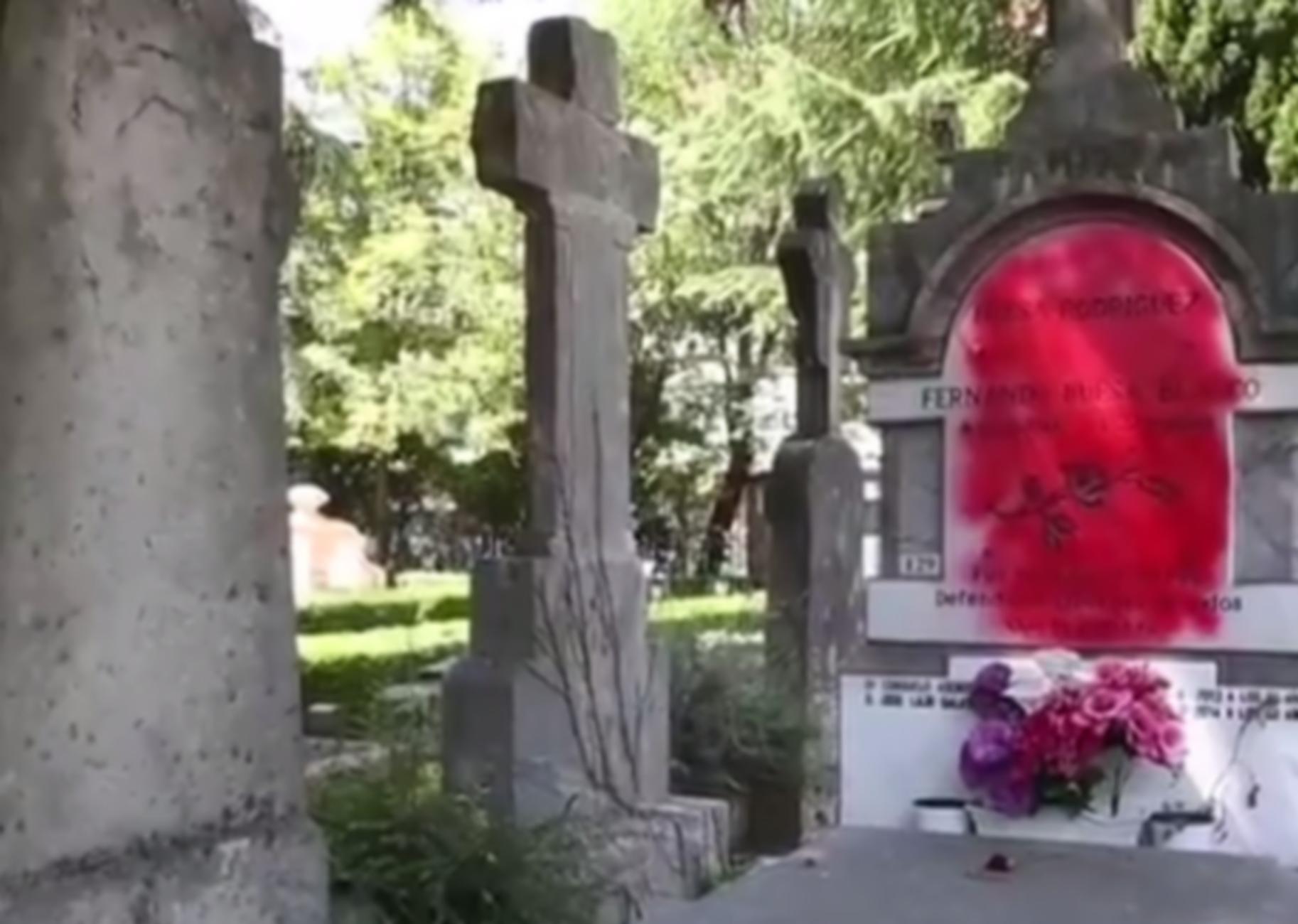 Βανδάλισαν τον τάφο του Φερνάντο Μπουέσα της Μπασκόνια (video)