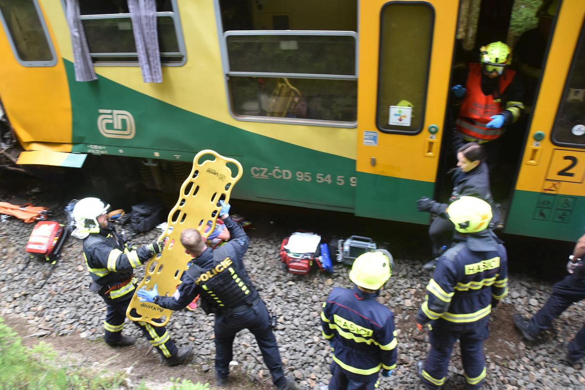 Πράγα: Σφοδρή σύγκρουση τρένων! Δεκάδες τραυματίες