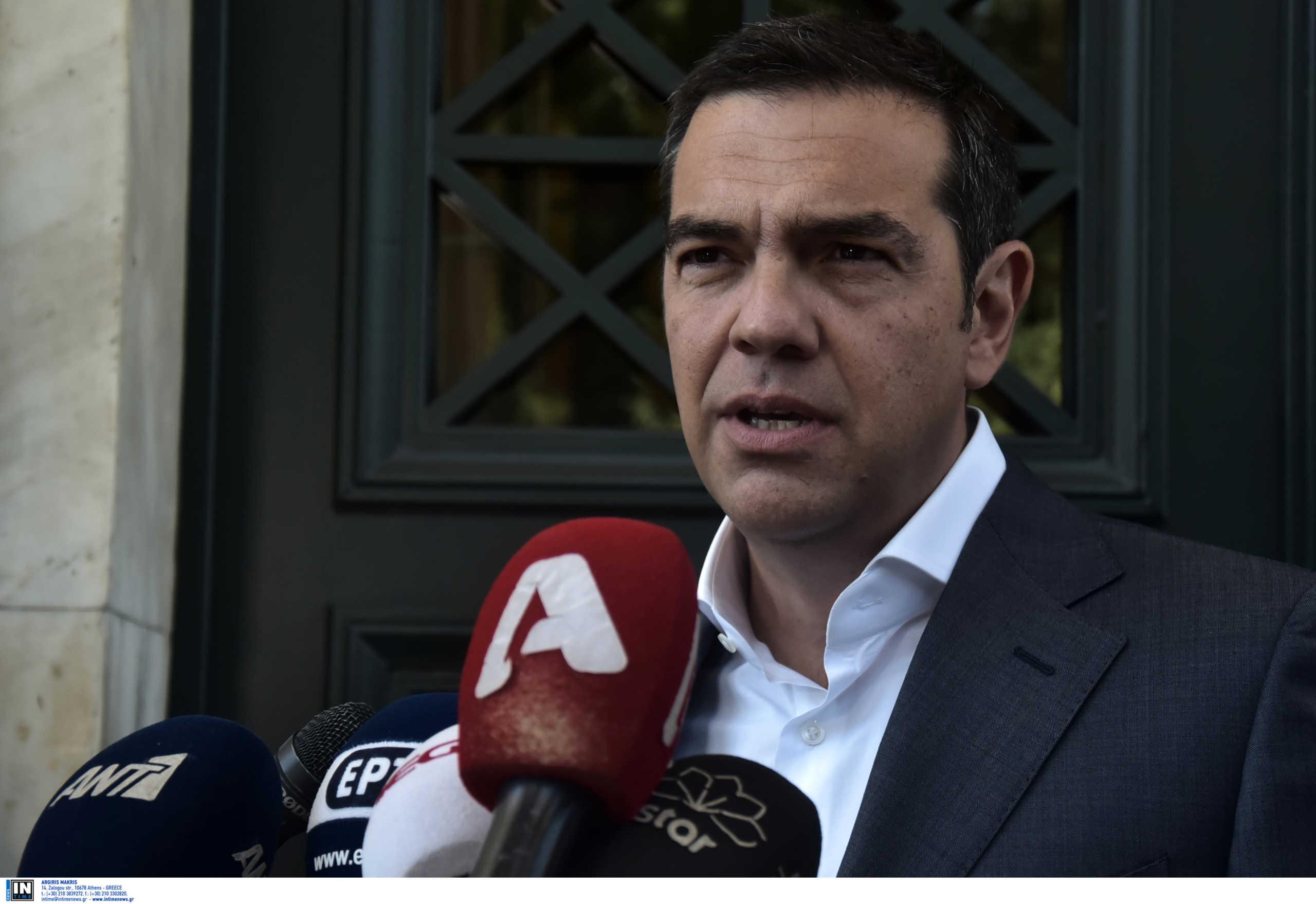 Τσίπρας: Θέλουν να φιμώσουν πως η ΝΔ είναι χρεοκοπημένη και ο Μητσοτάκης κακοπληρωτής
