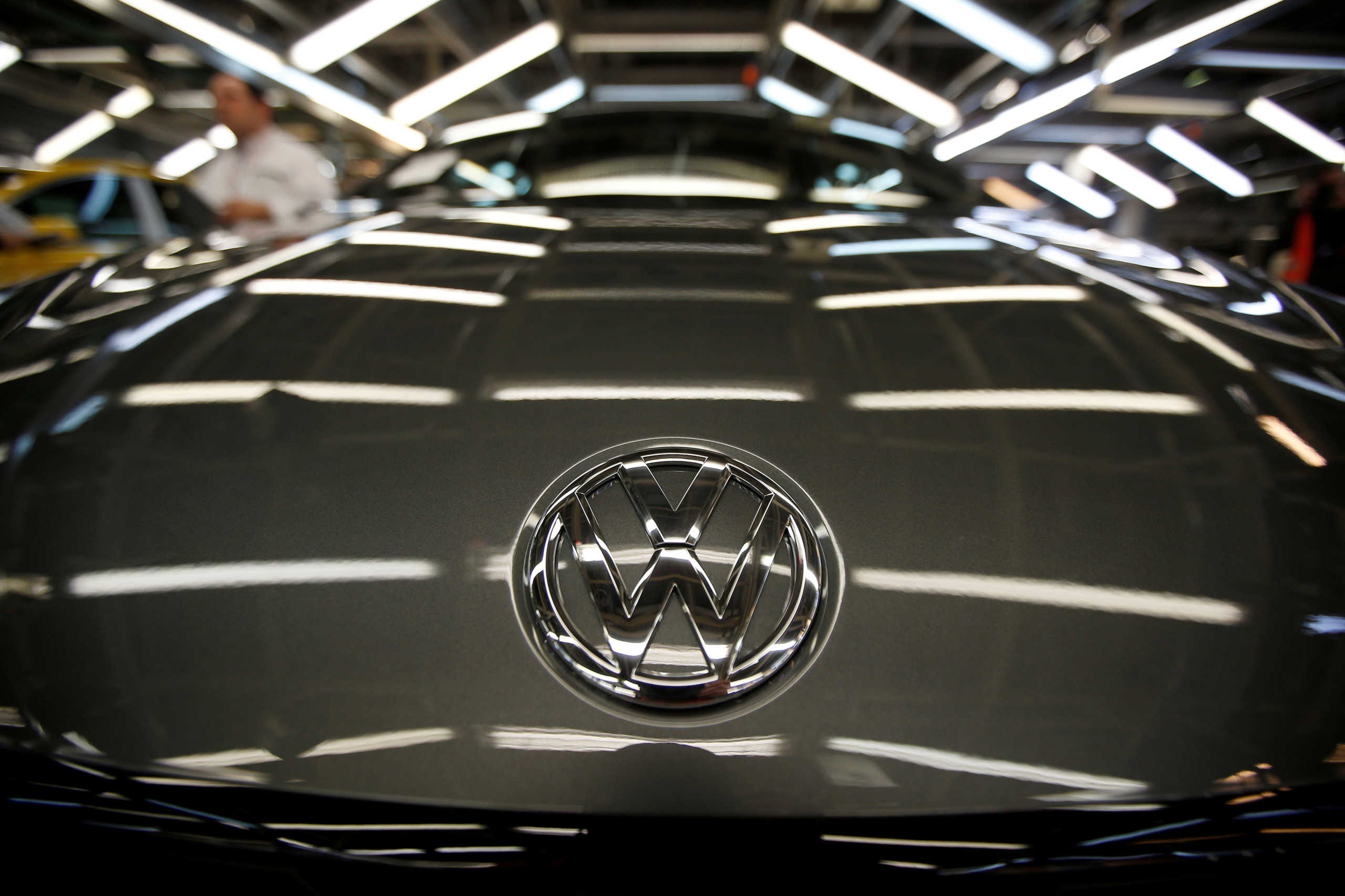 Η Volkswagen σκέφτεται να προχωρήσει σε 30.000 απολύσεις